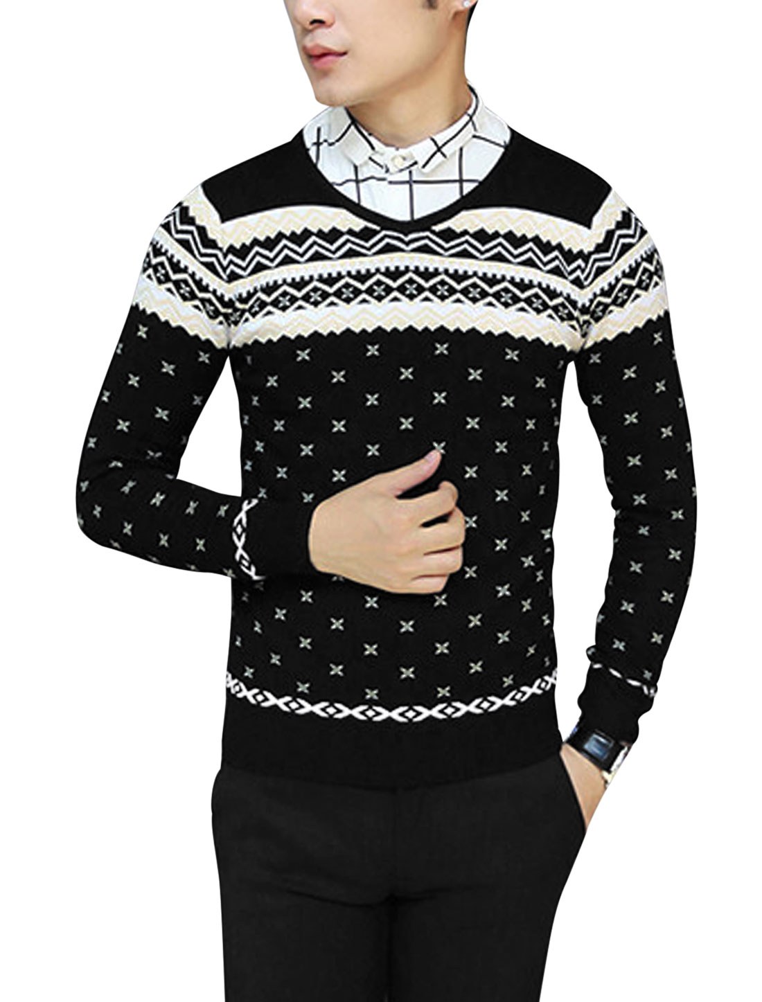 Men V Neck Long Sleeve Zig-Zag Novelty Pattern Slim Fit Knit Shirt Black S