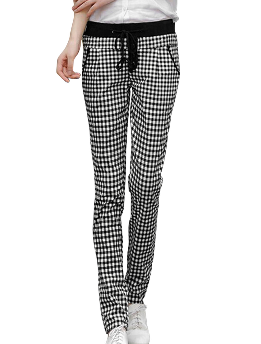 Lady Plaids Pattern Drawstring Waist Slant Pockets Casual Pants Black White S