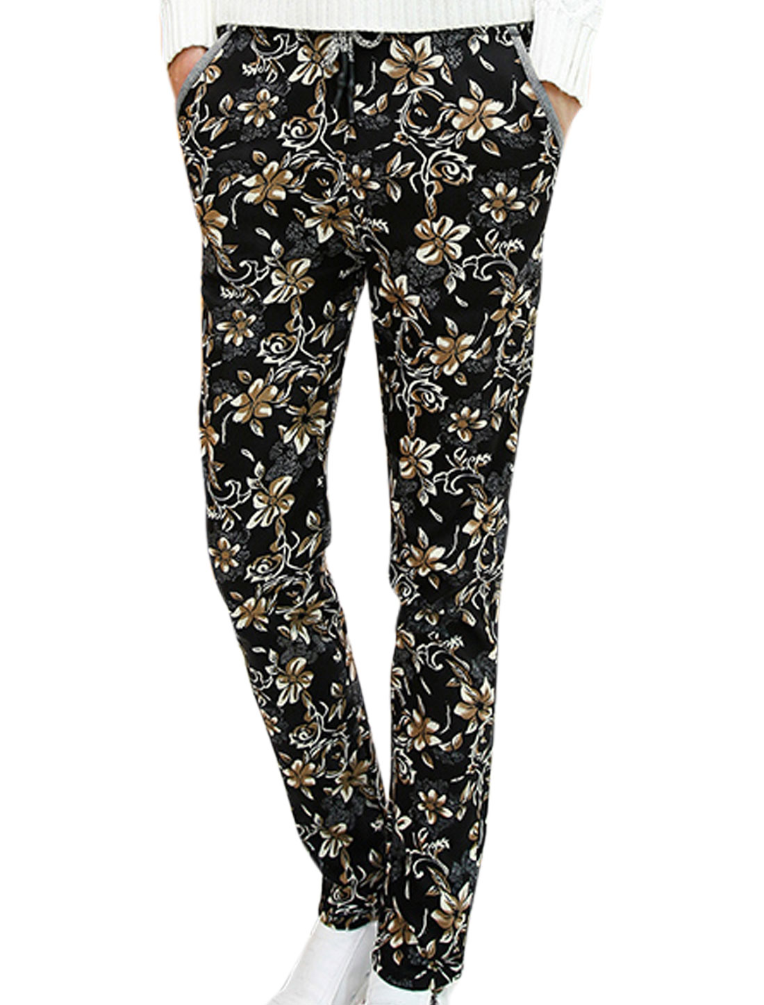 Men Patch Back Pockets All Over Floral Print Casual Pants Black W30