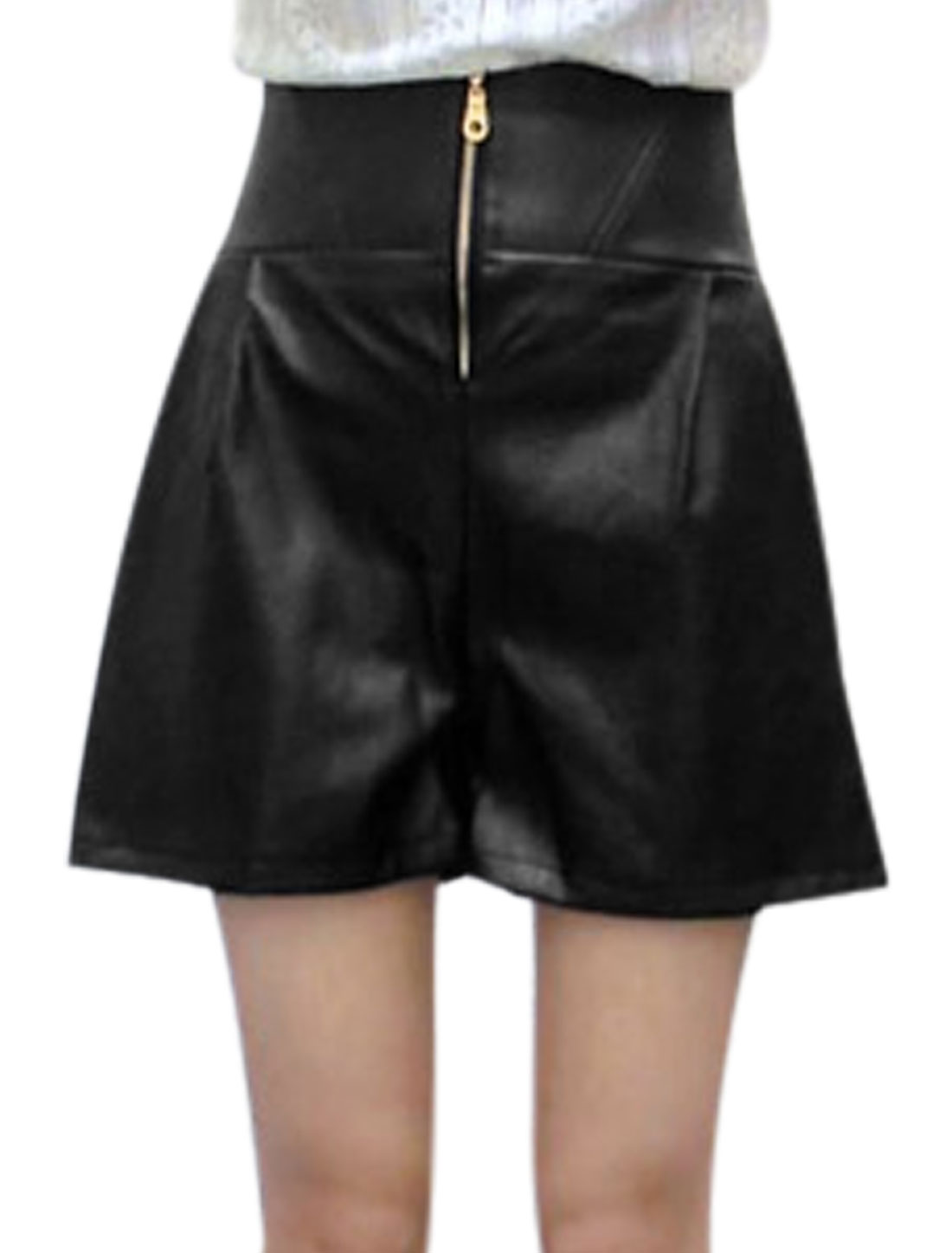 Lady High Waist Zip Fly Front Fashion Imitation Leather Shorts Black M