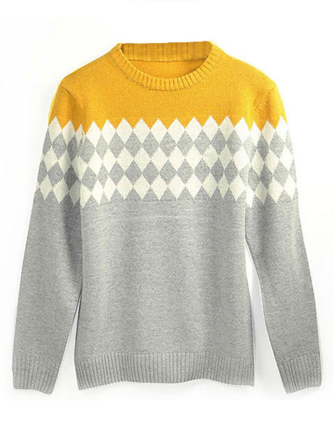 Men Leisure Crew Neck Contrast Color Argyle Print Sweater Light Gray M