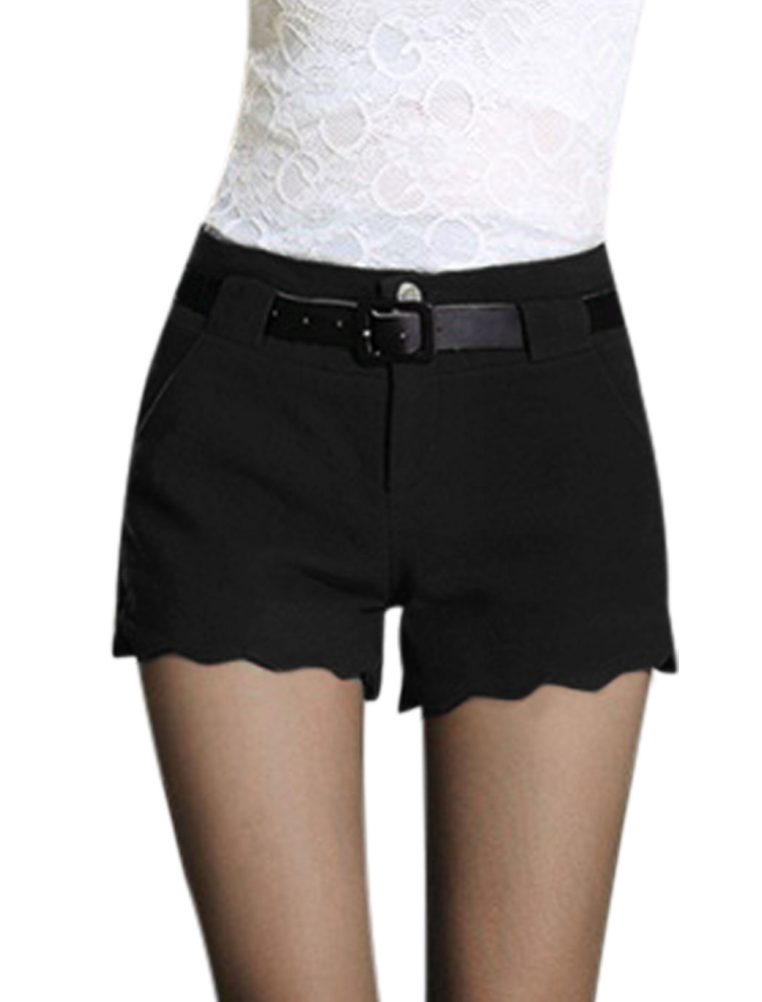Ladies Black Mid Rise Zip Fly Scalloped Trim Casual Short Pants M