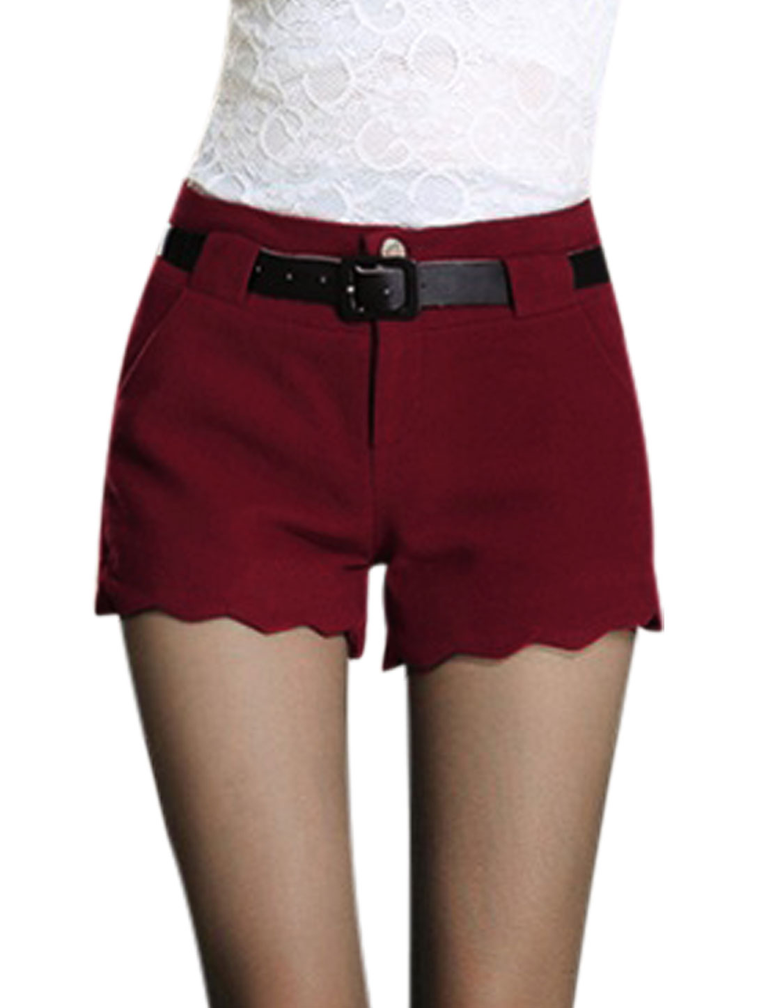 Ladies Burgundy Mid Rise Zip Fly Scalloped Trim Belt Loop Short Pants M