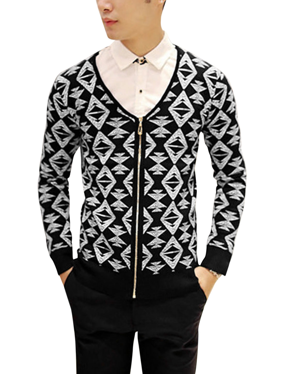 Man Black Long Sleeves V Neck Zip Down Argyle Pattern Casual Cardigan S