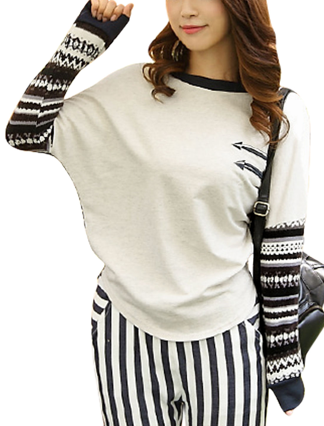 Women Beige Round Neck Bat Sleeves Knitting Splicing Casual Top M
