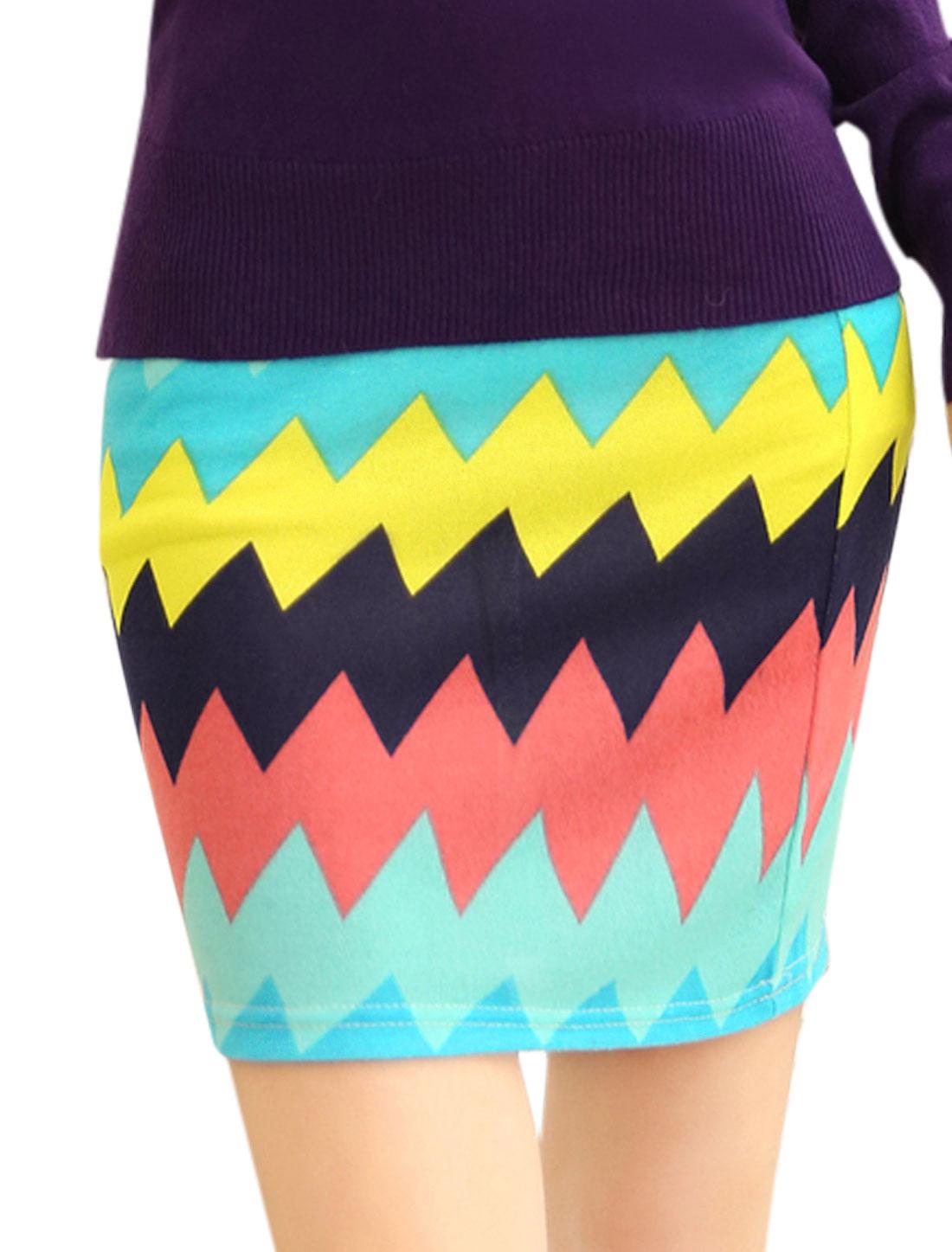 Women Slim Fit Allover Zigzag Print Over Hip Design Mini Skirt Multicolor XS