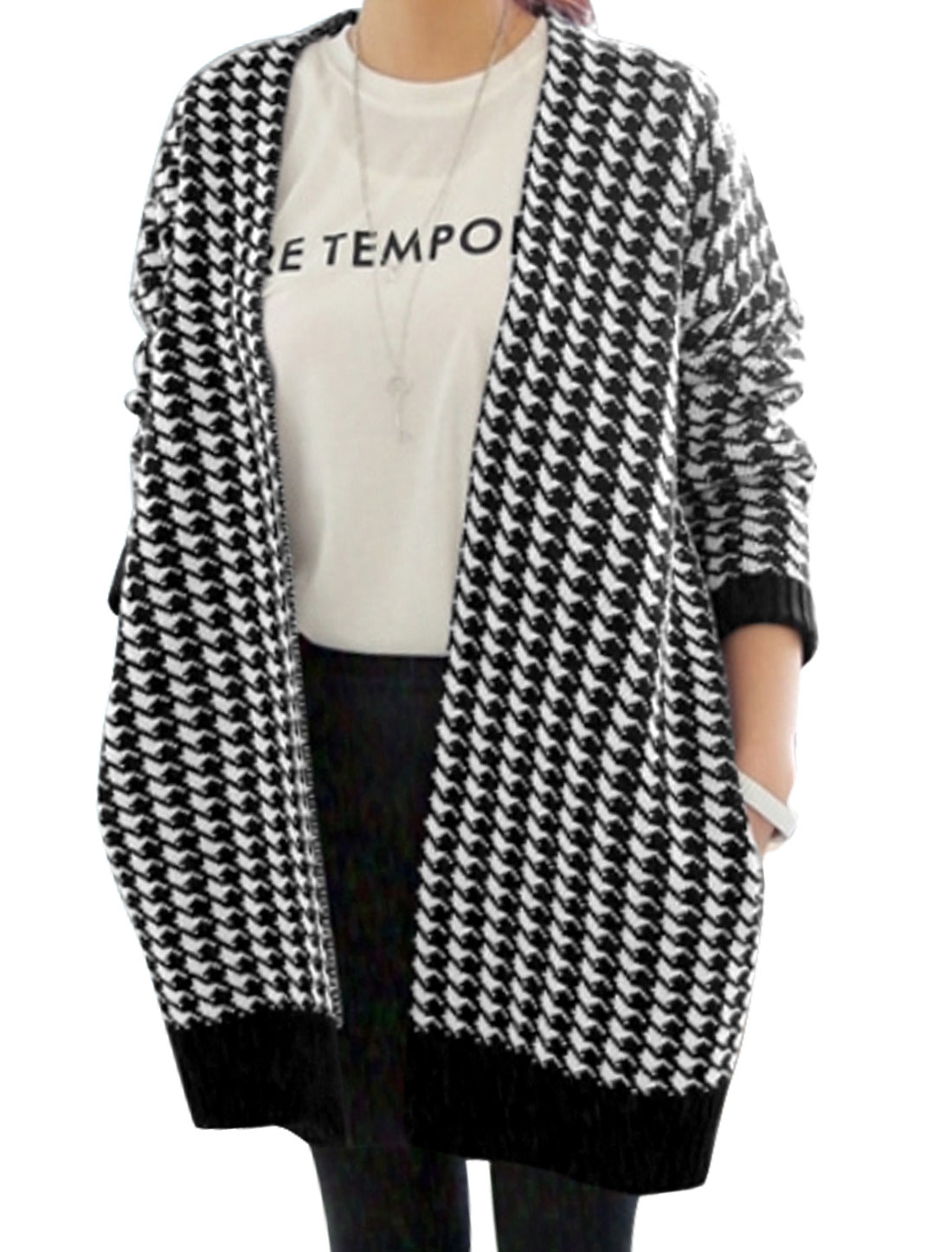Ladies Black White Houndstooth Pattern Front Opening Sides Pockets Tunic Knit Cardigan XS