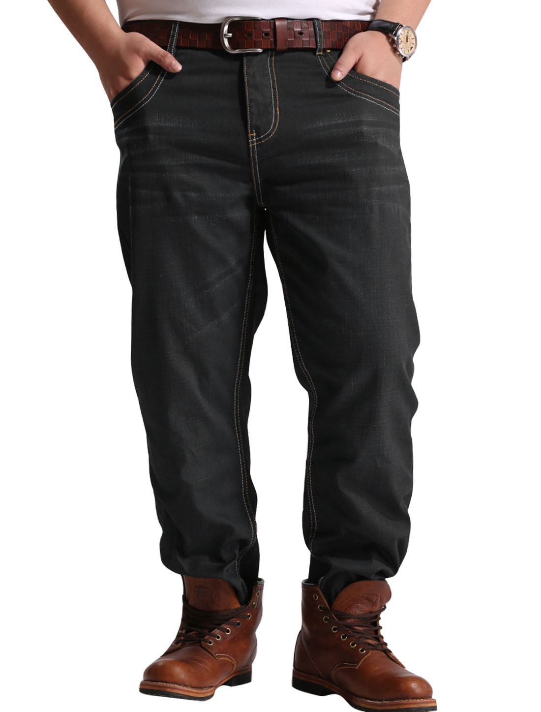 Men Mid Rise Two Pockets Back Zip Fly Trendy Jeans Black W42