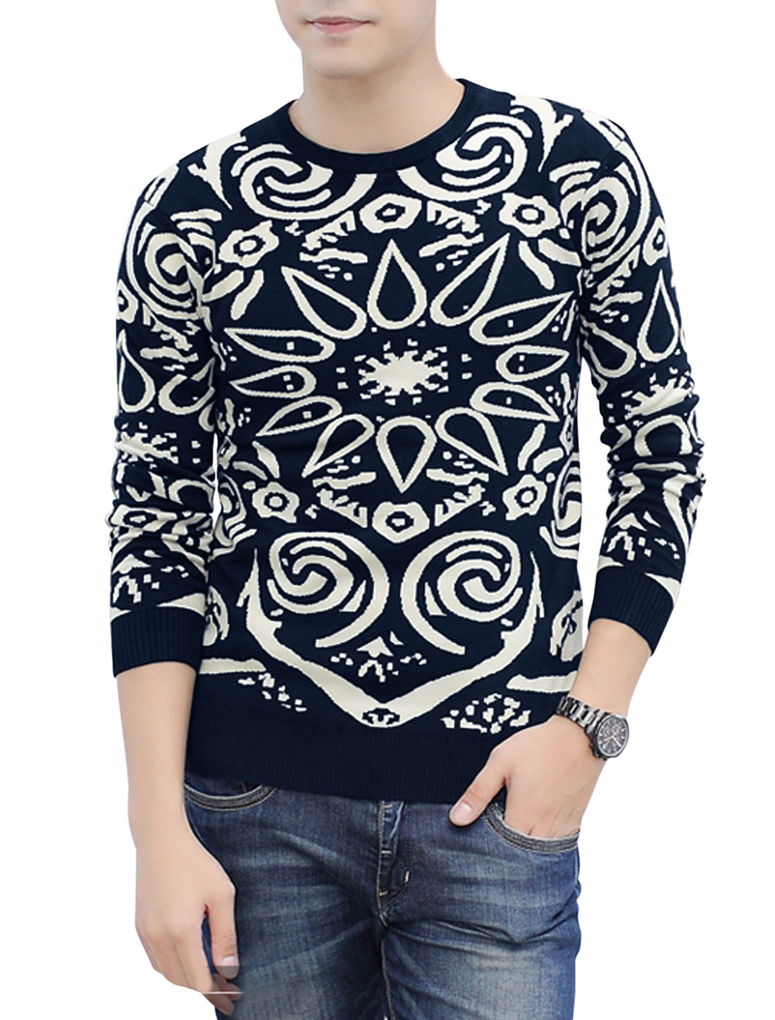 Men Round Neck Novelty Prints Long Sleeves Pullover Knit Top Navy Blue Beige M