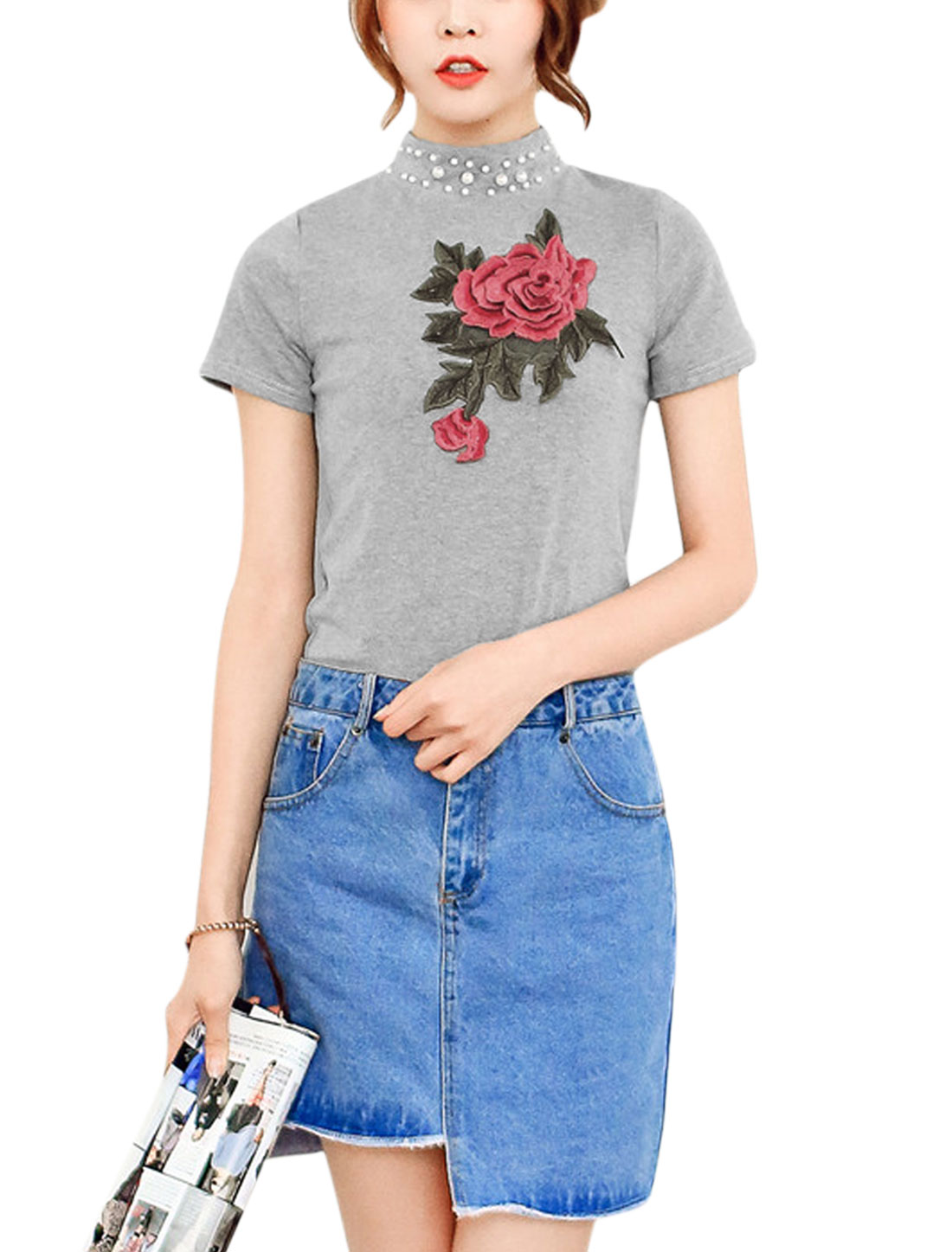 Women Beaded Neckline Rose Applique Short Sleeves Casual T-Shirts Gray XS