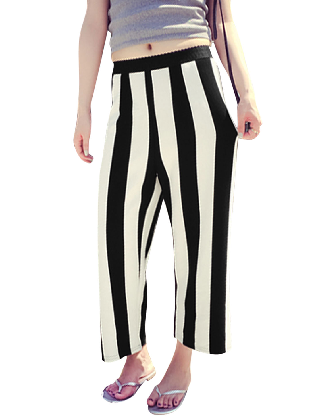 Woman Vertical Stripes Elastic Waistband Casual Cropped Pants Black Off White XS