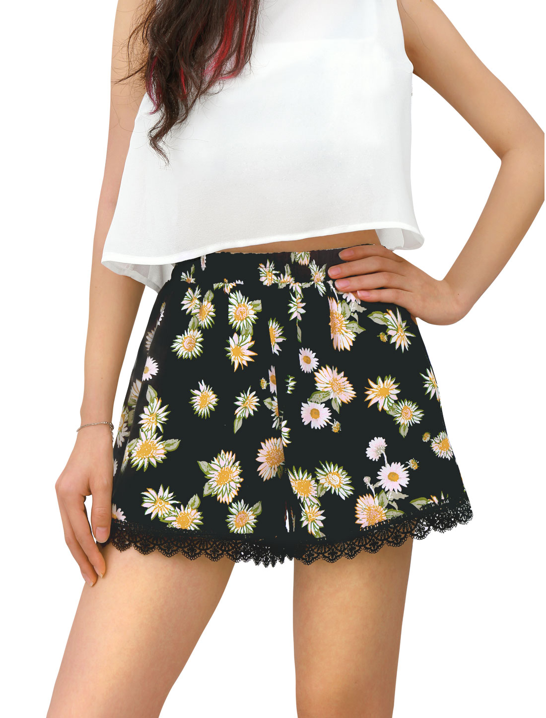 Women Lace Hem Panel Elastic Waist Flower Pattern Daisy Shorts Black
