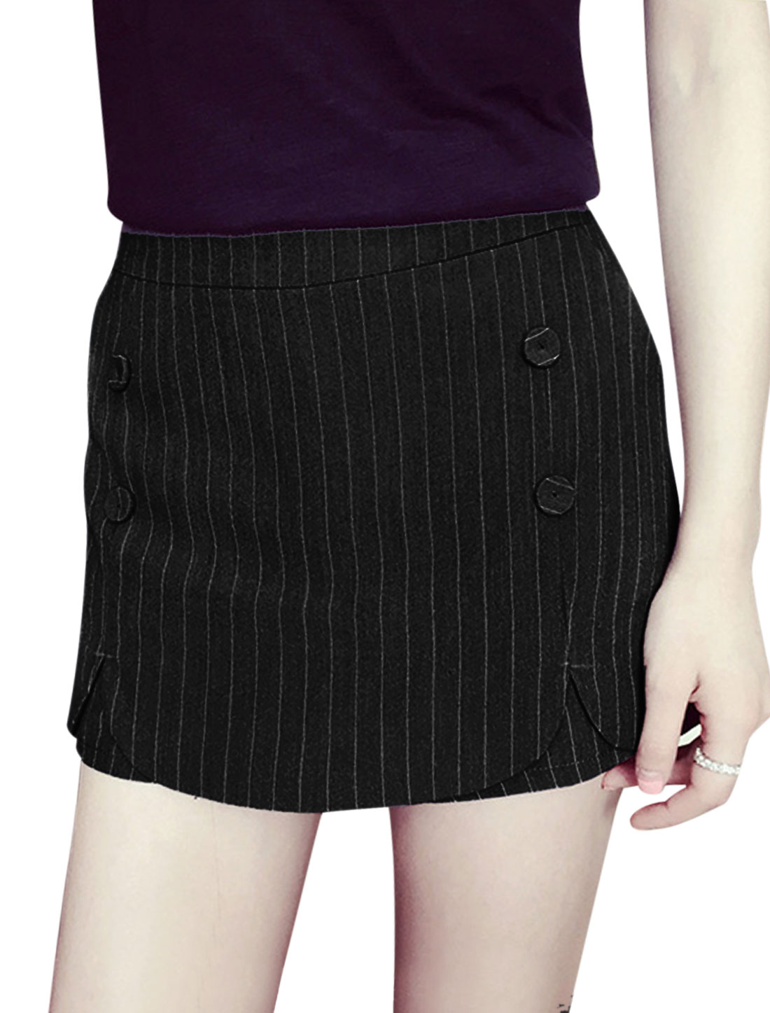 Ladies Mid Rise Irregular Hem Mini Striped Casual Shorts Black M