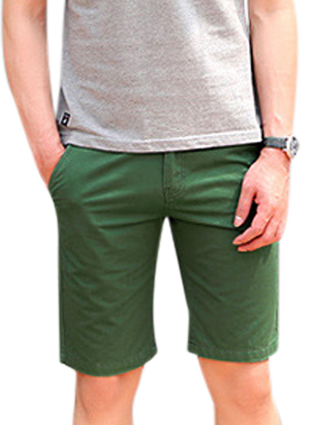 Man Mid Rise Drawstring Waist Four Pockets One Button Fastening Shorts Dark Green W30