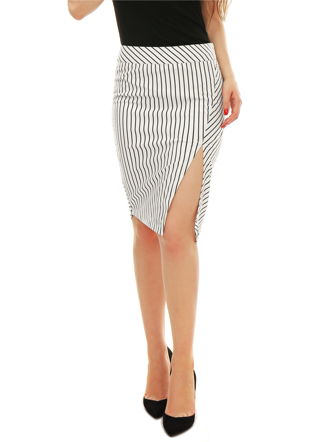 Woman Bar Striped High Vent Asymmetric Hem Pencil Skirt Black White M