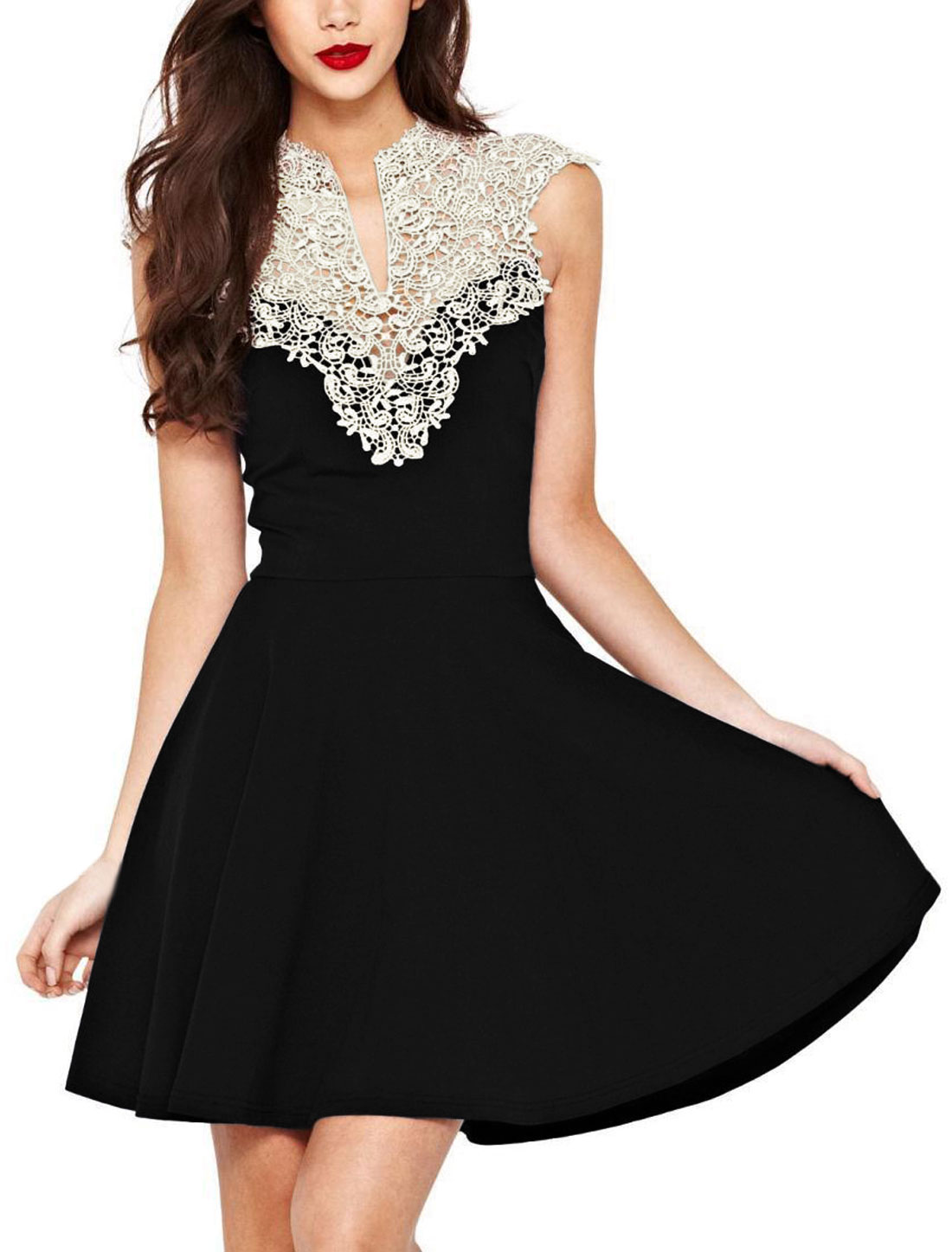 Woman Hollow Out Upper Crochet Design Split Neck Sleeveless Panel Dress Black M