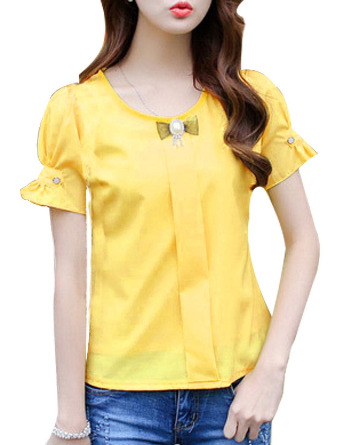 Woman Round Neck Short Sleeves Casual Top w Brooch Yellow XS