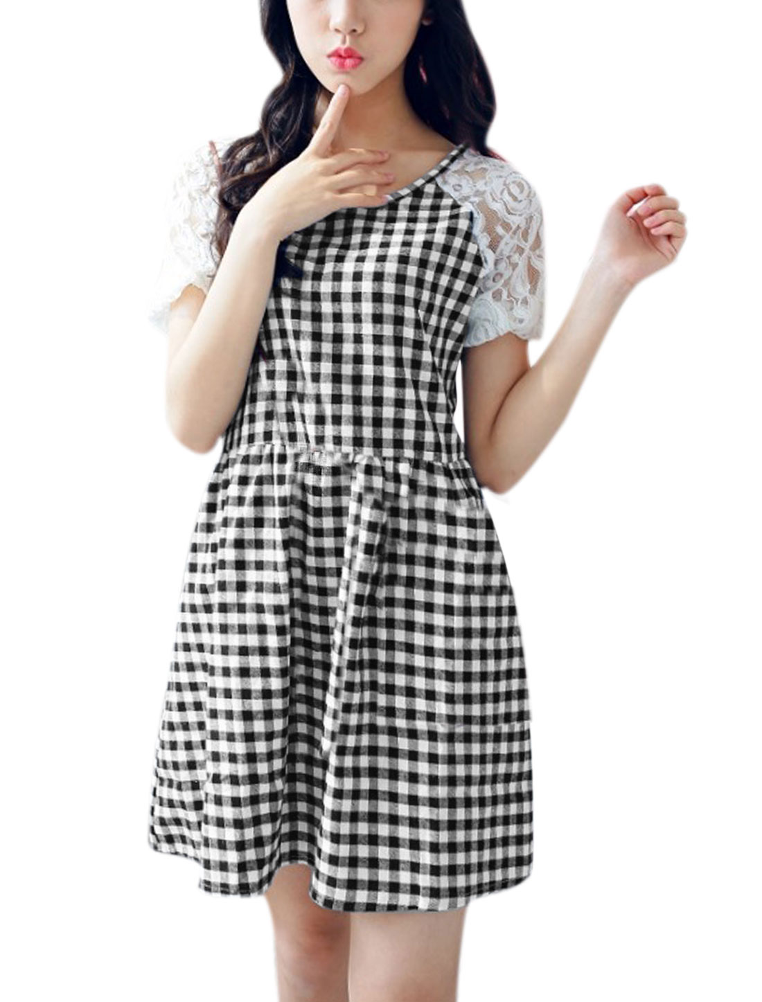 Woman Plaids Lace Panel Short Raglan Sleeves Unlined Dress Black White M