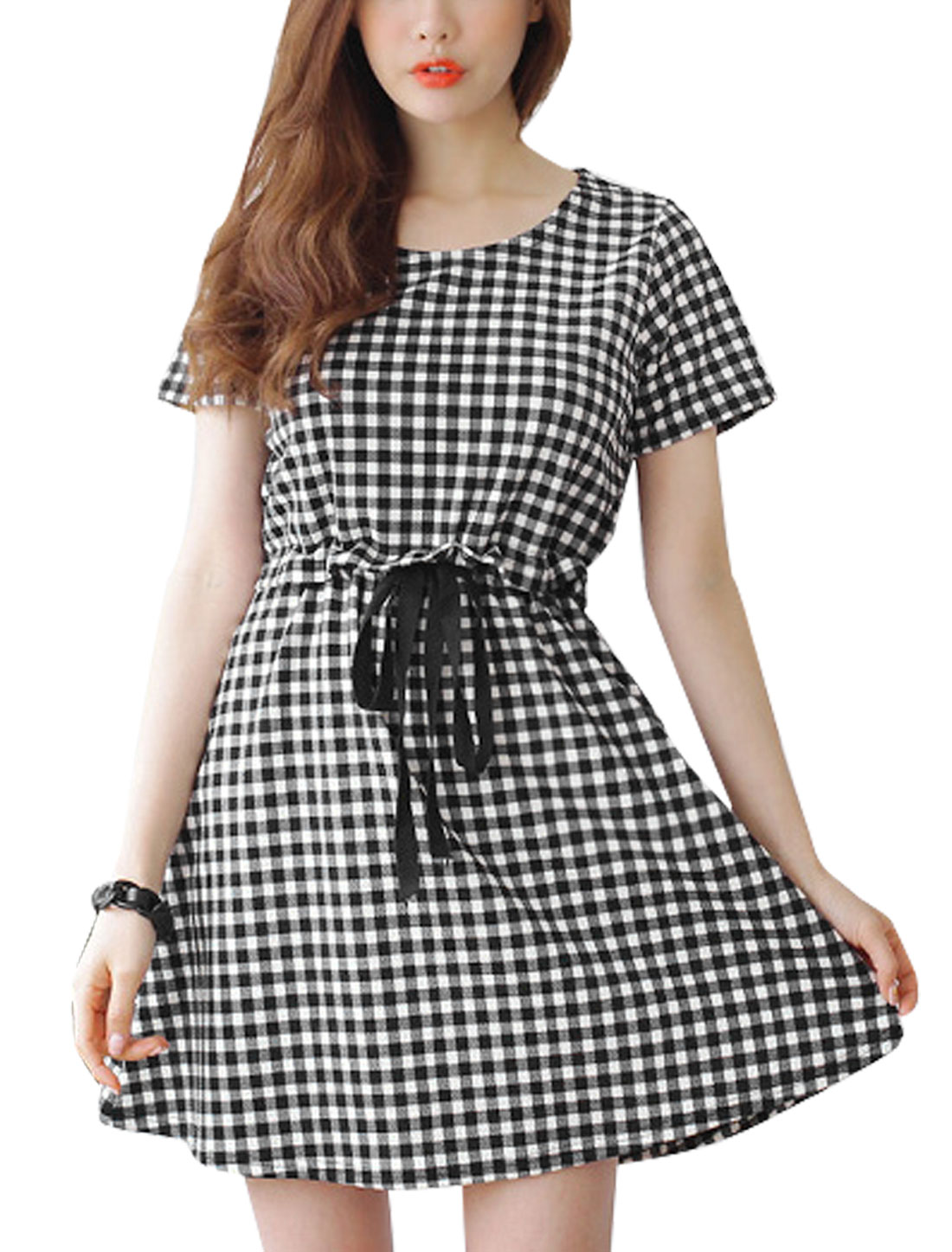 Woman Plaids Drawstring Waist Round Neck Short Sleeves A Line Dress Black White S