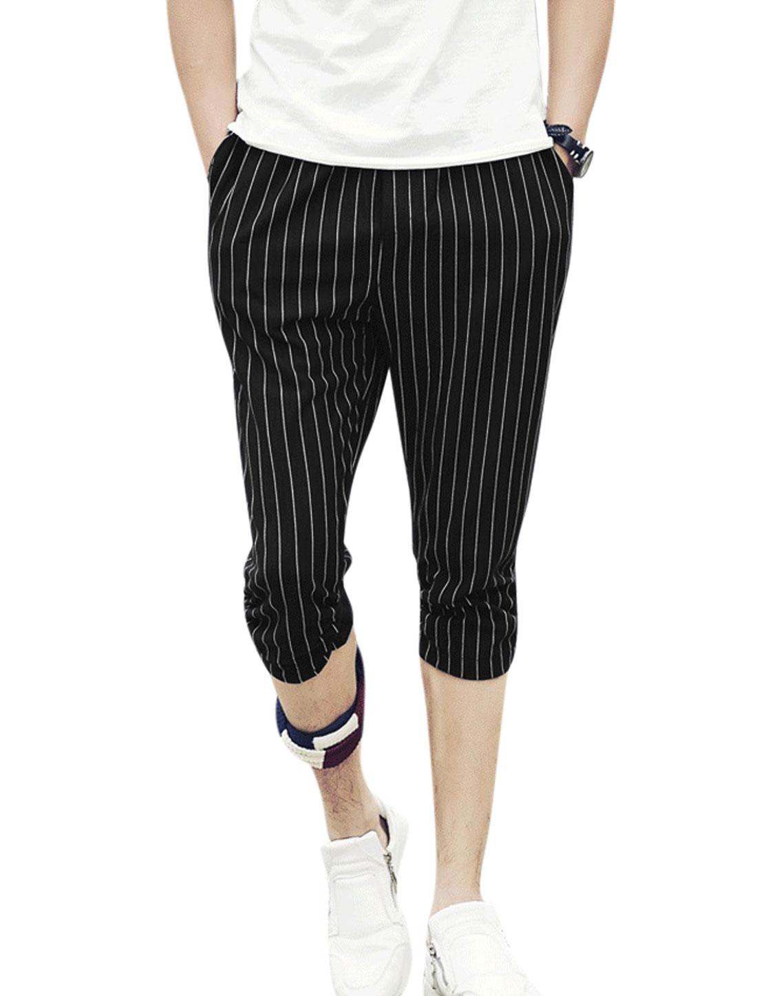 Men Drawstring Waist Stripes Print Pockets Leisure Capris Pants Black W30