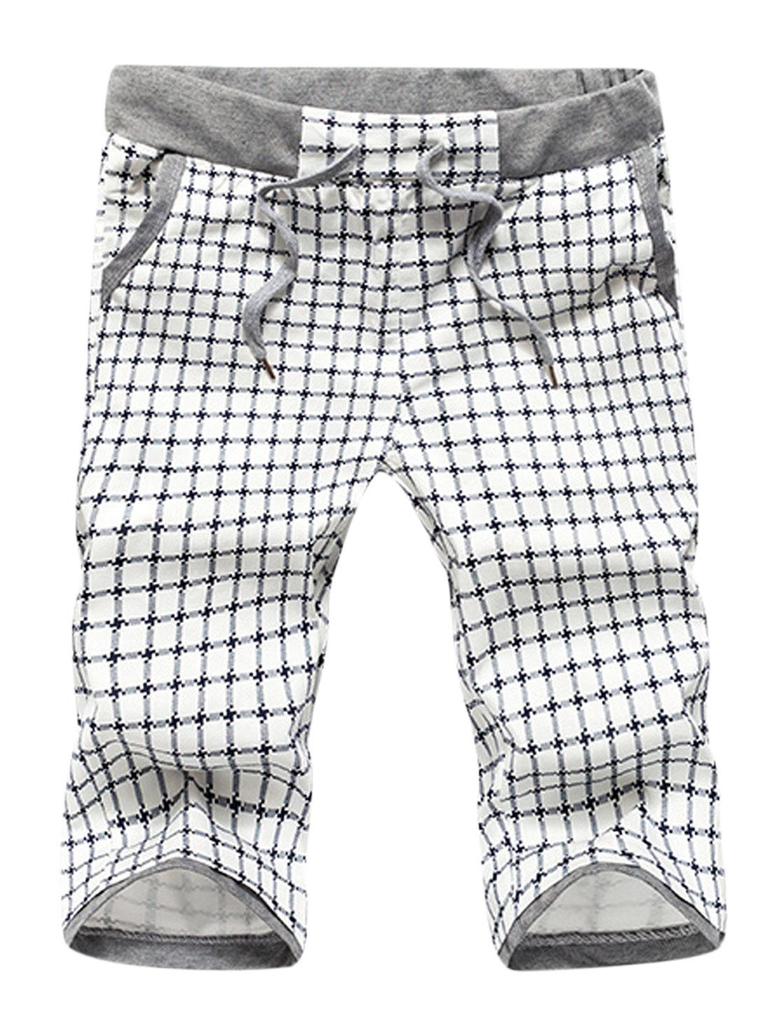 Man Plaids Stretchy Drawtring Waist Slant Pockets Shorts White W30