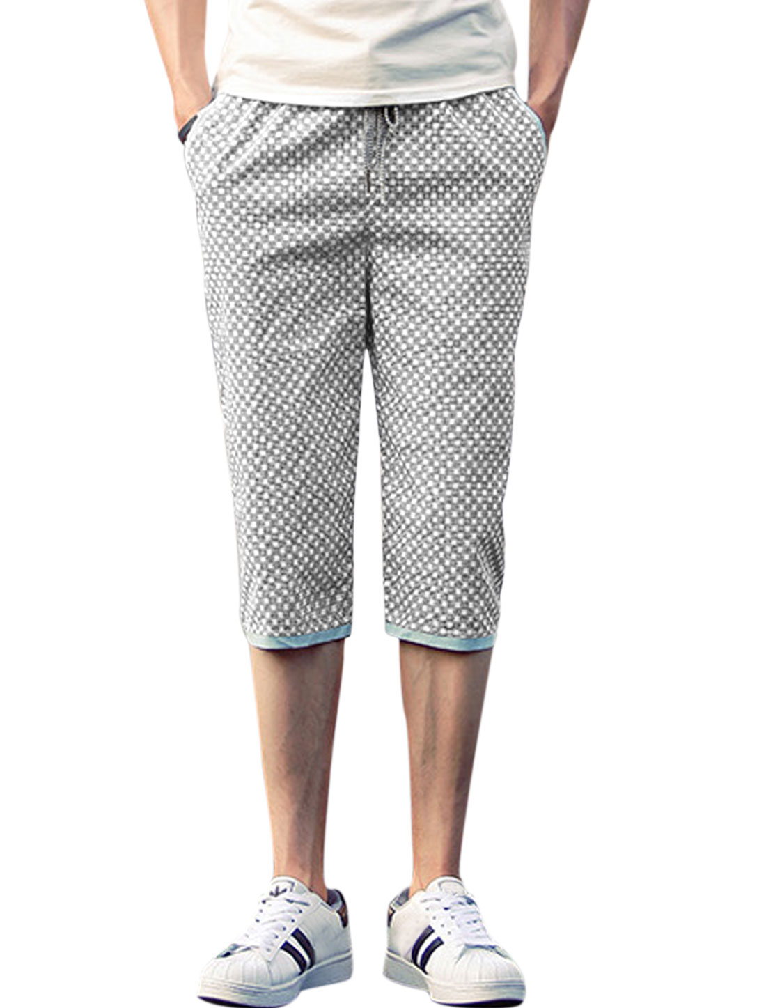 Men Geometrical Prints Mid Rise Leisure Capris Pants Black White W30