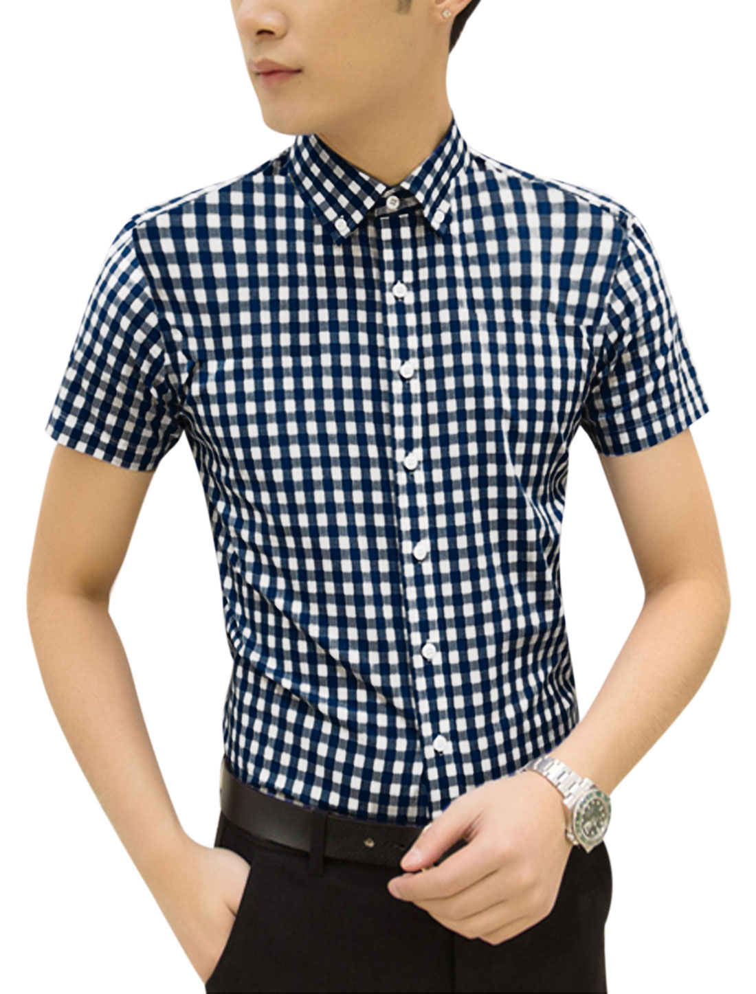 Man Plaids Short Sleeves Button Up Point Collar Casual Shirt Navy Blue White M