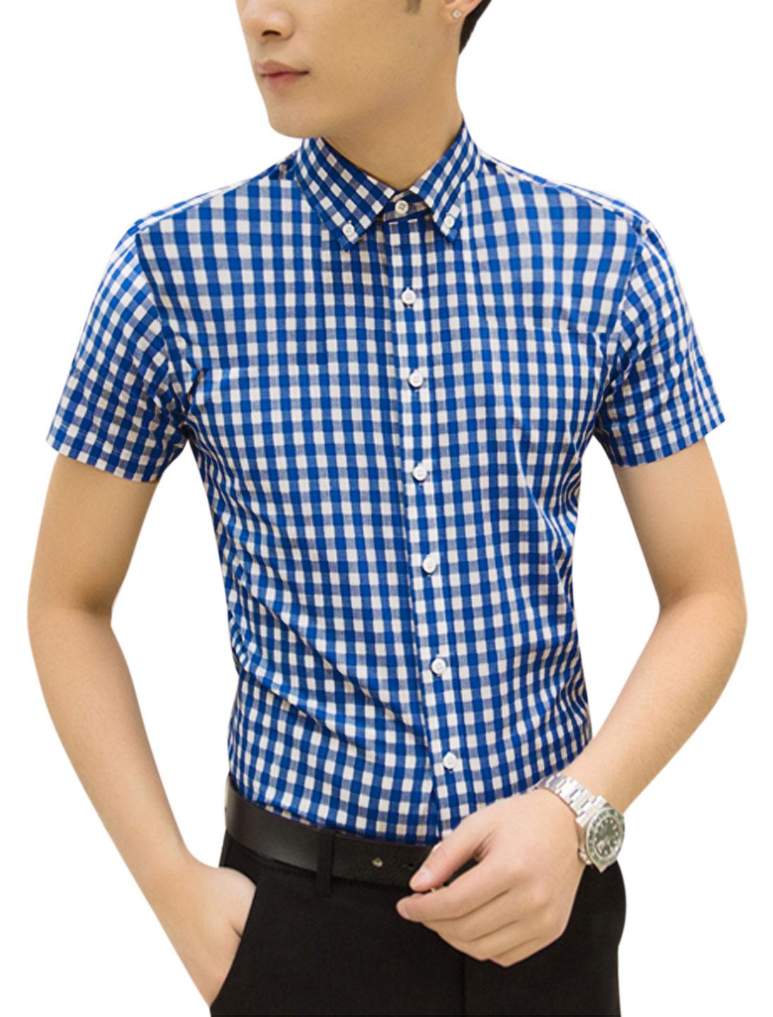 Man Plaids Short Sleeves Button Fastening Casual Top Shirt Dark Blue White M