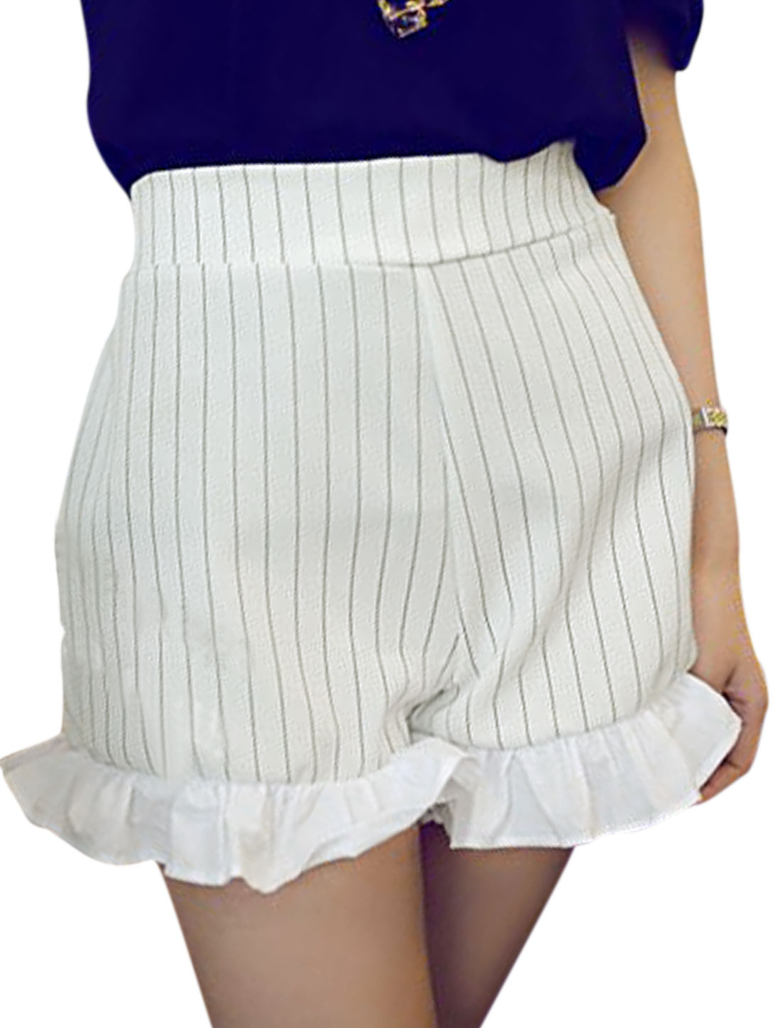 Women Vertical Stripes Ruffled Cuffs Elastic Waist Back Casual Shorts White XS