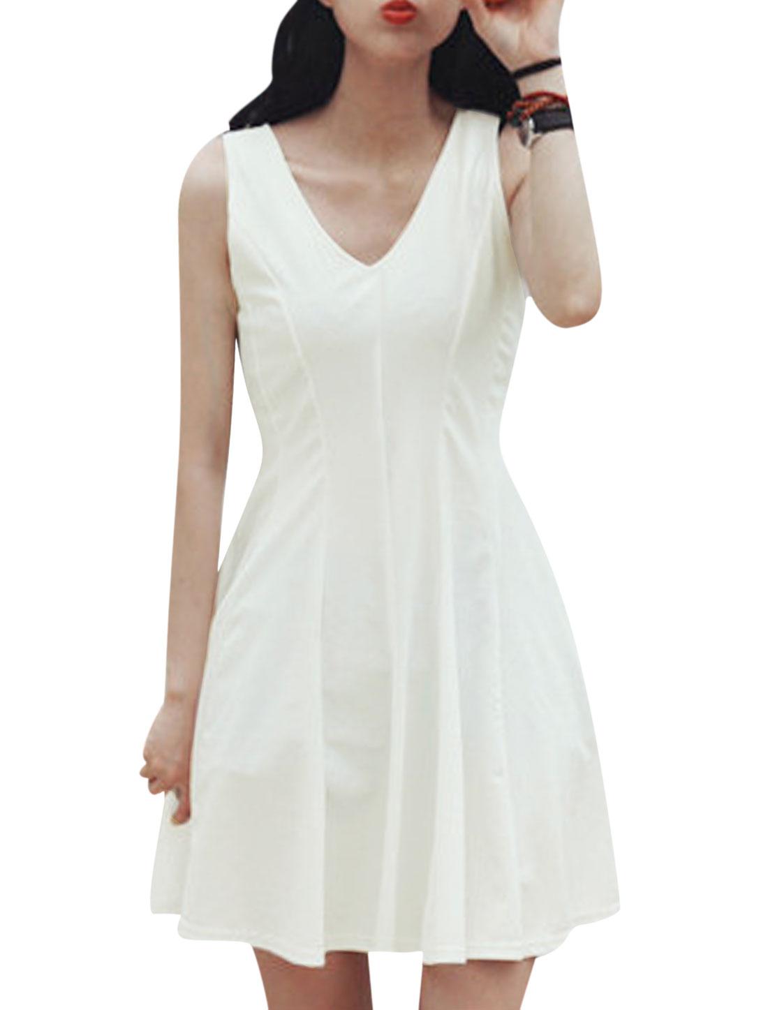 Ladies Sleeveless Deep V Neck Unlined Casual Dress White M