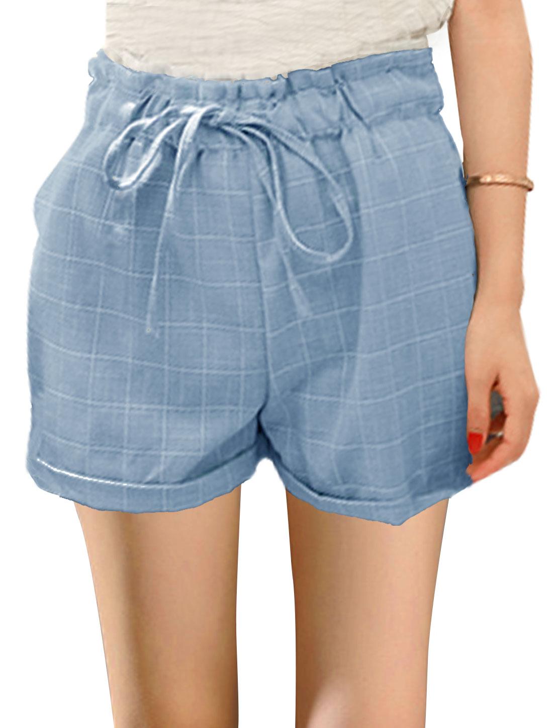 Ladies Checks Drawstring Waist Cuffed Casual Shorts Light Blue XS