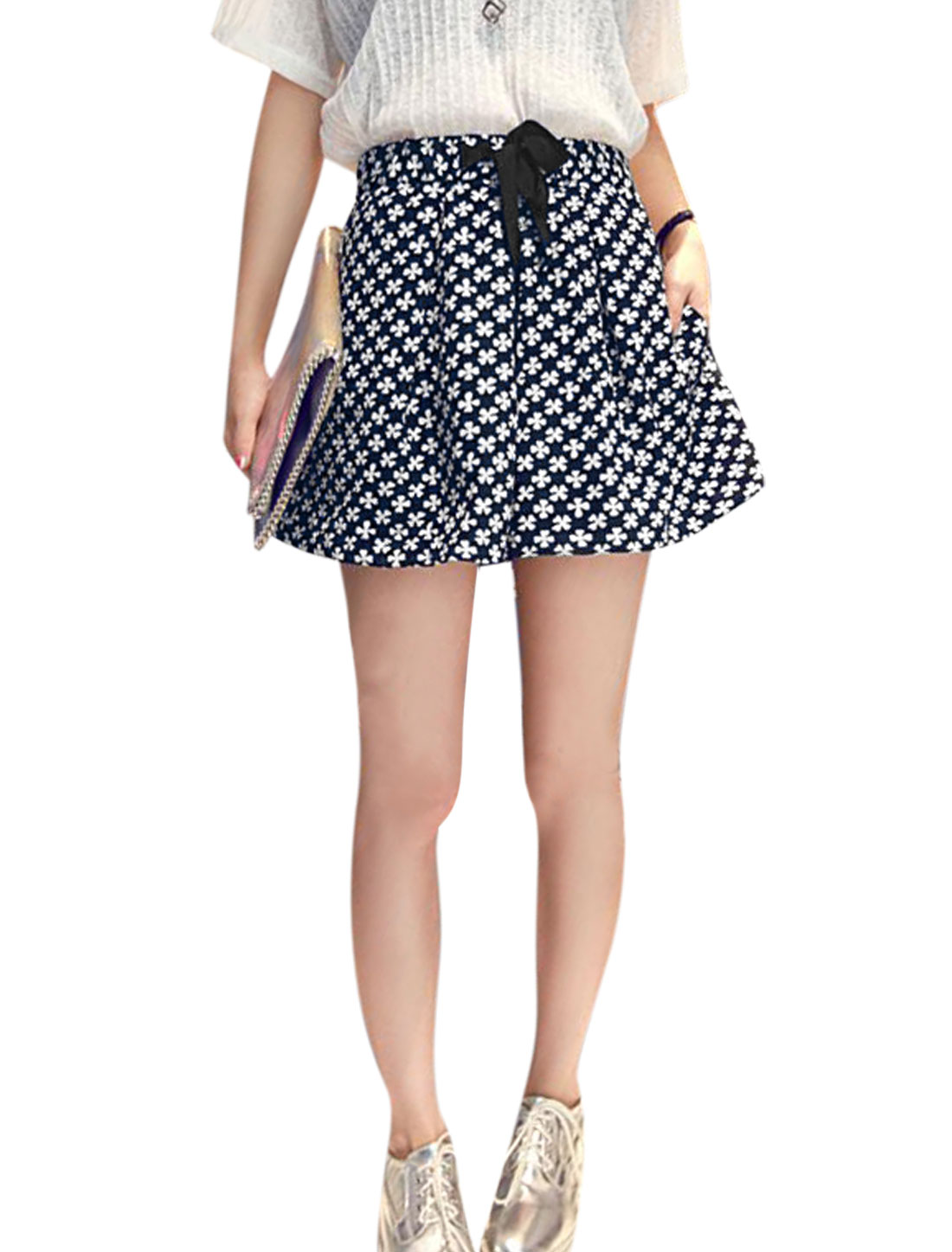 Woman Clover Pattern Drawstring Waist Casual Flare Shorts Dark Blue XS