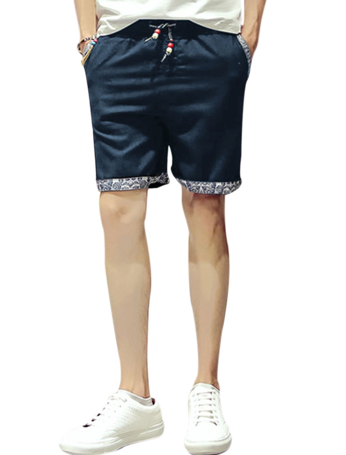 Men Beaded Stretchy Waist Paisley Pattern Detial Leisure Shorts Navy Blue W34