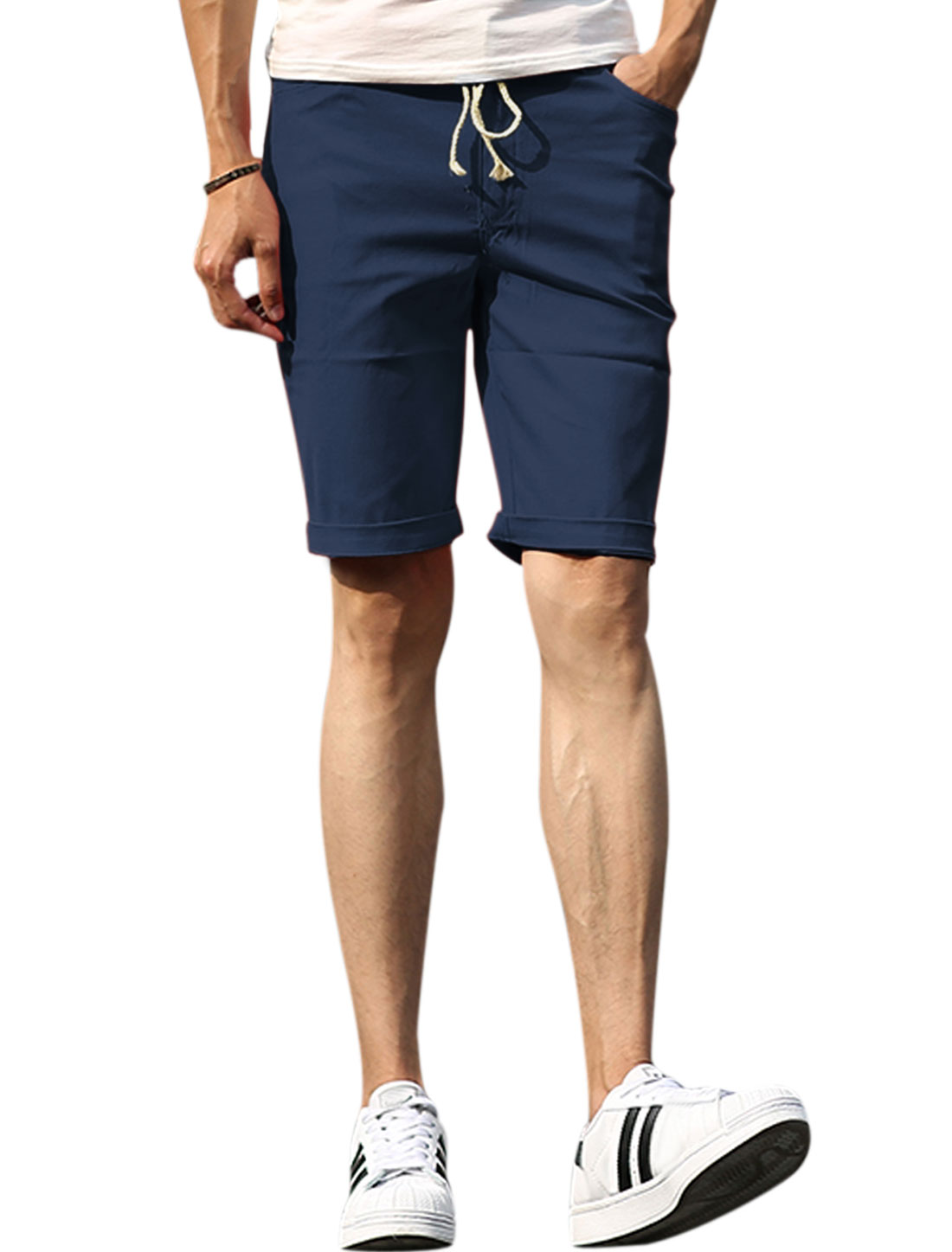 Men Elastic Drawstring Waist Mid Rise Five Pockets Shorts Navy Blue W32