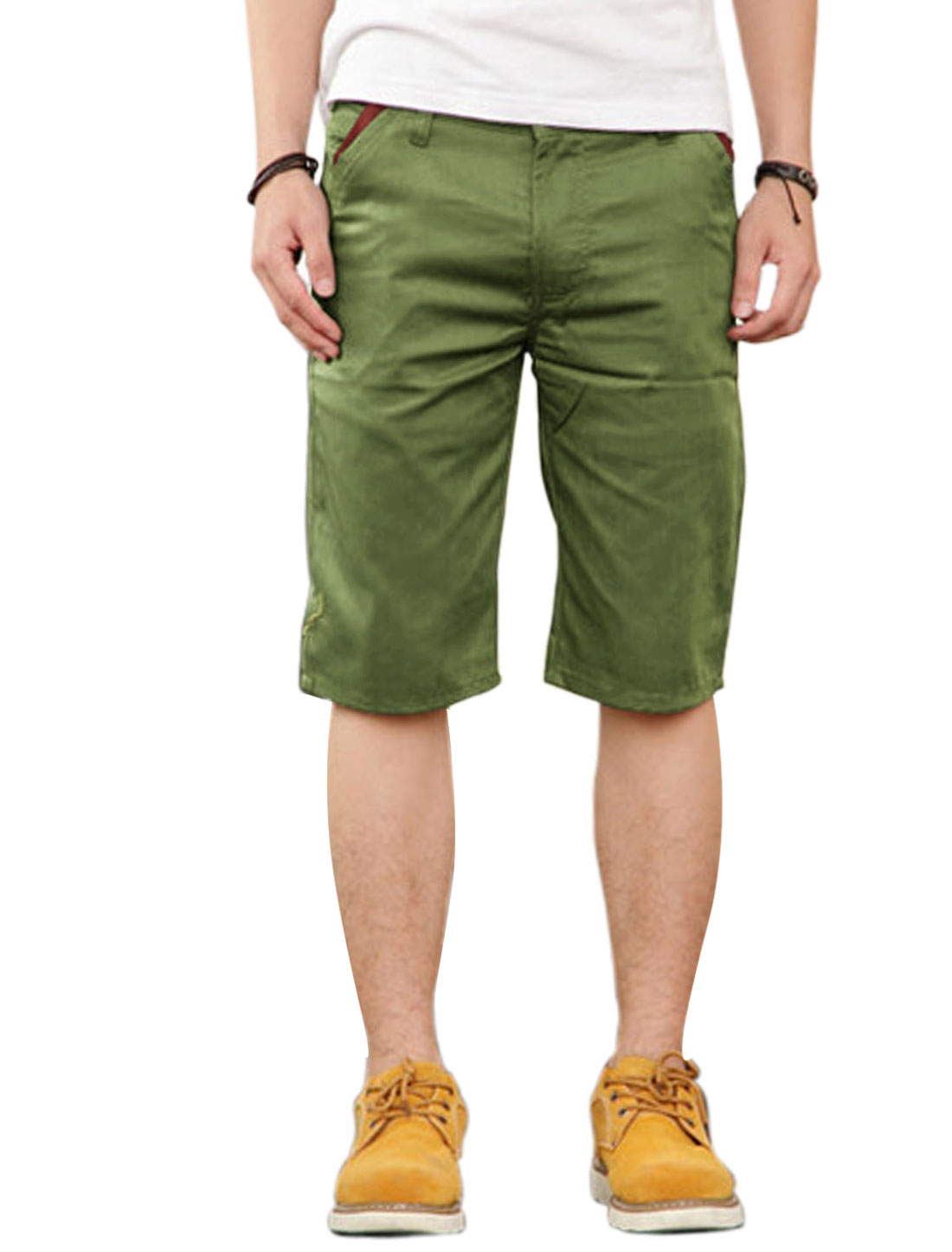 Man Mid Rise Slanted Pockets Contrast Color Shorts Army Green W30