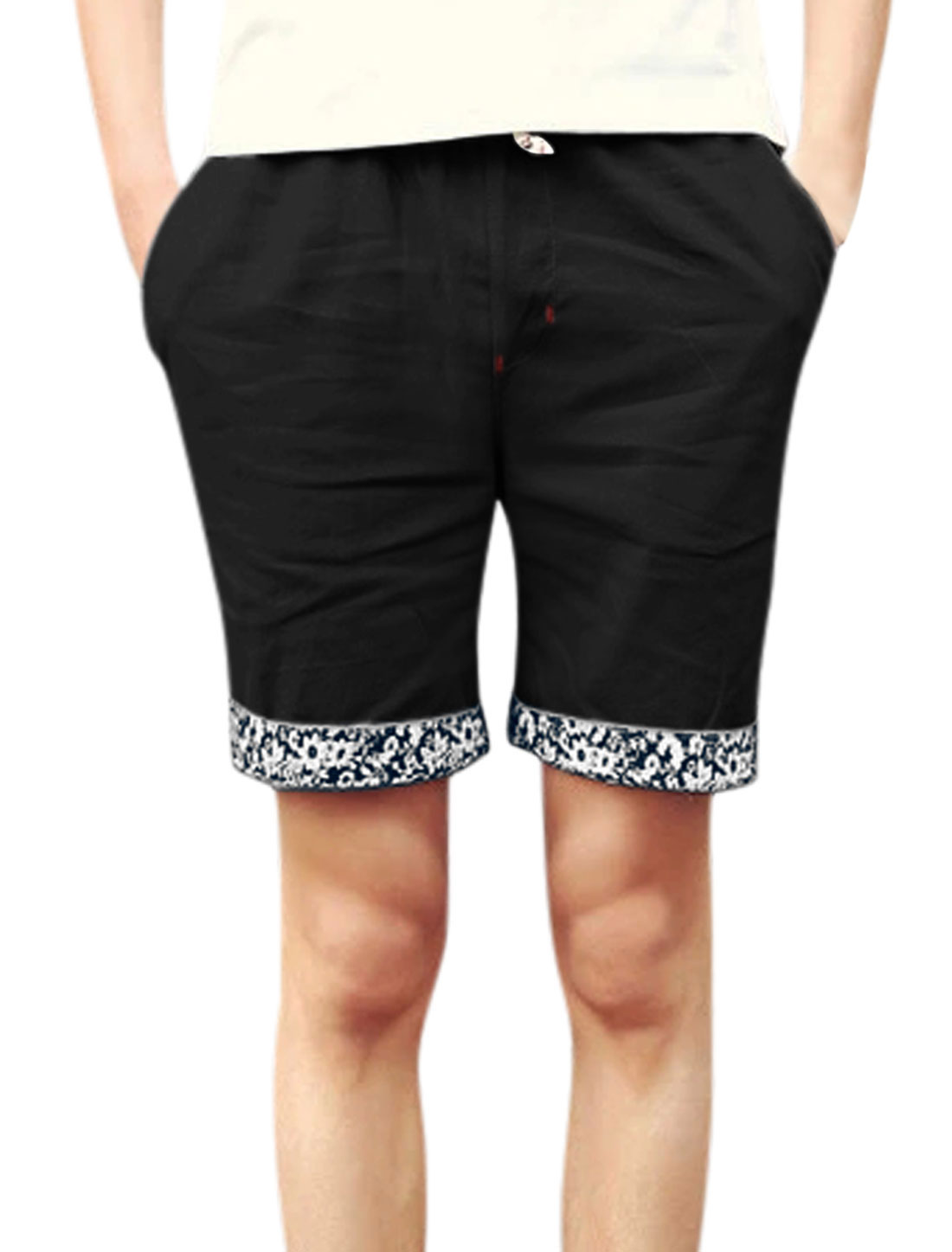 Men Mid Waisted Elastic Waist Front Pockets Shorts Black W32
