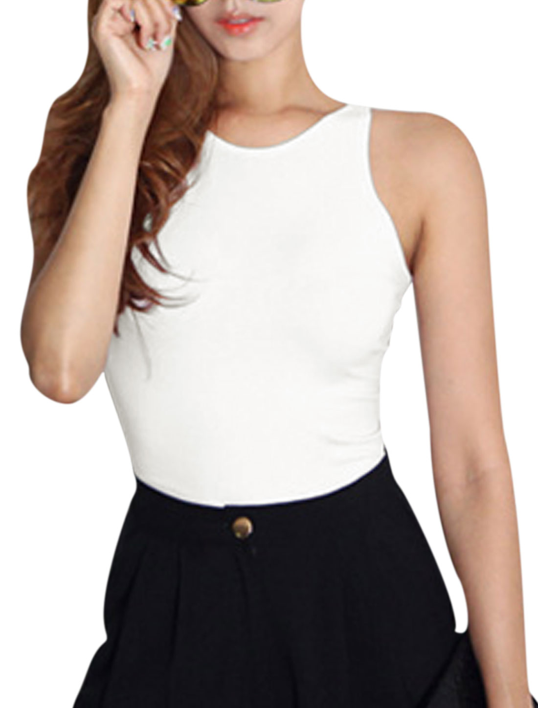 Woman Round Neck Sleeveless Cut Out Crisscross Back Crop Top White S