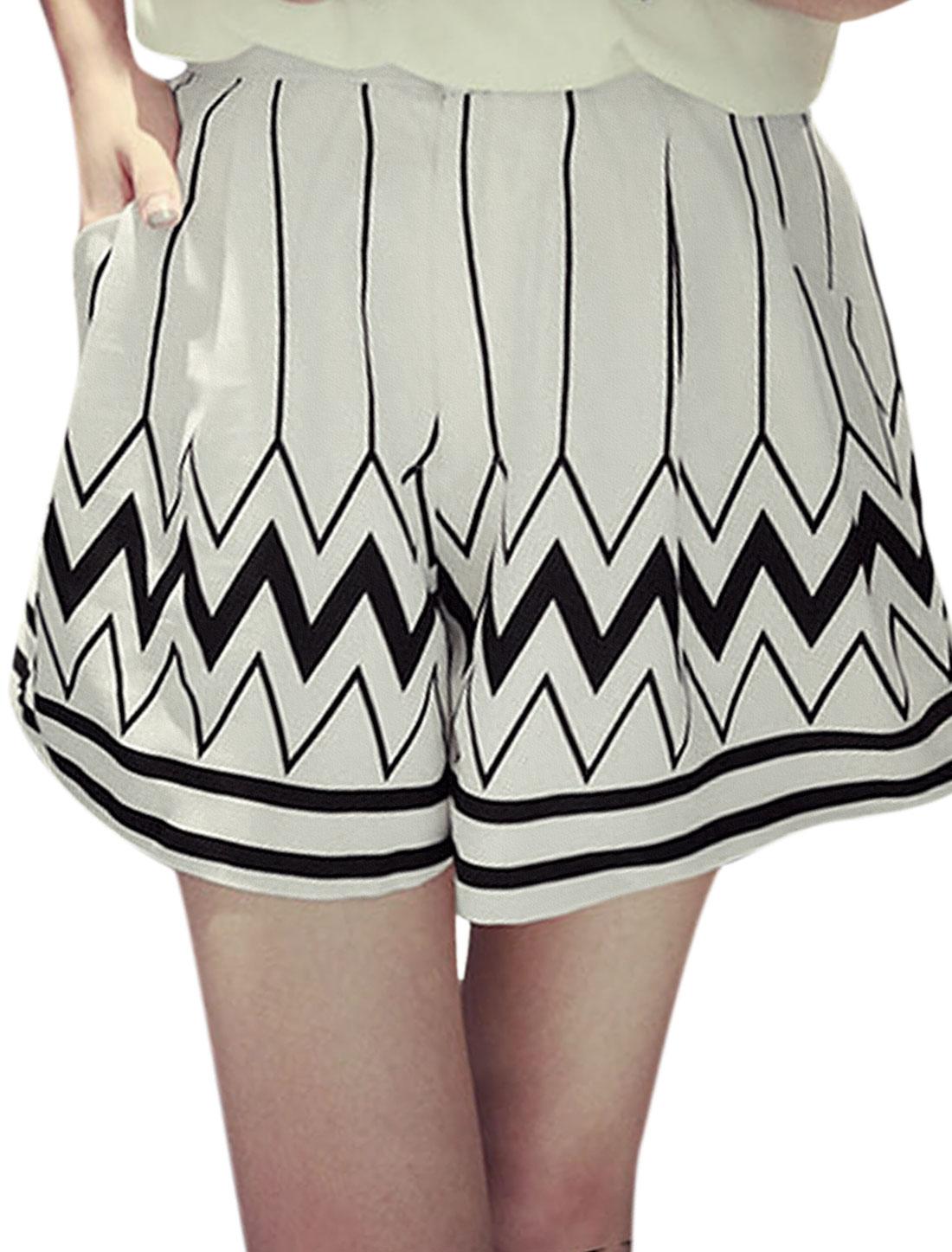 Ladies Mid Rise Elastic Waist Stripes Zigzag Print Front Pockets Shorts White XS