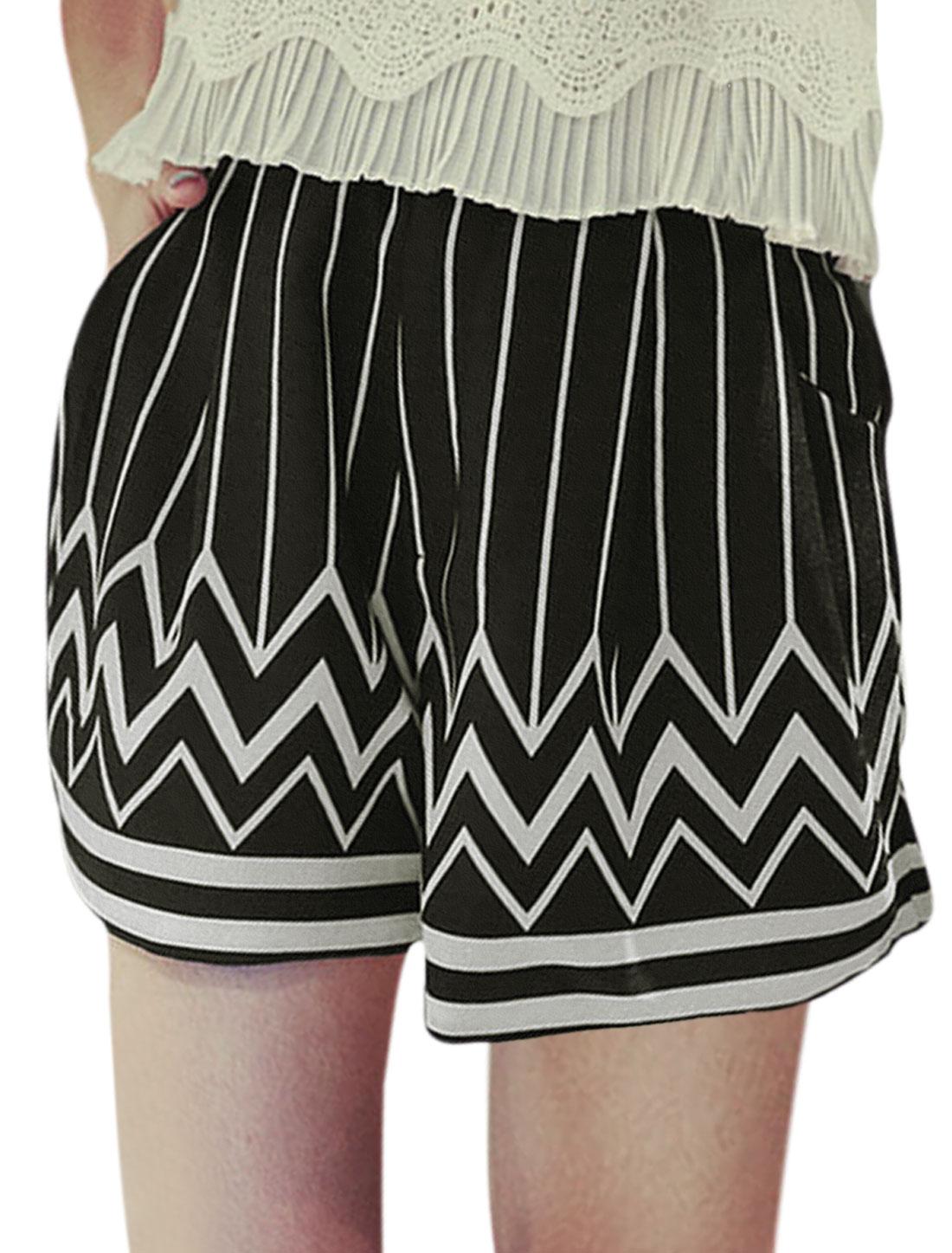 Ladies Elastic Waist Zigzag Print Front Pockets Short Shorts Black XS