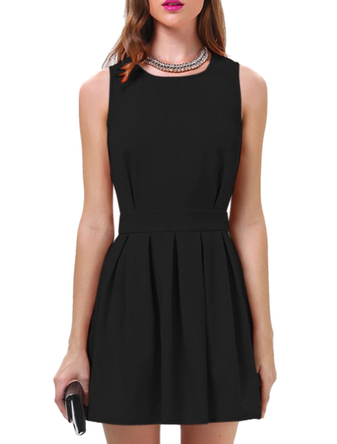 Woman Round Neck Scalloped Back Playful Pleats A Line Dress Black M
