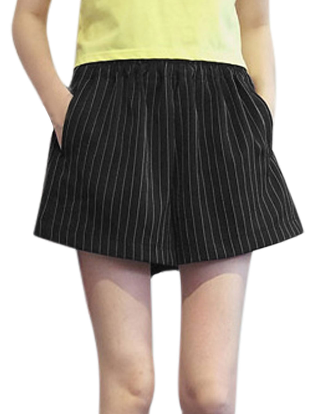 Women Natural Rise Stripes Pattern Loose Fit Casual Shorts Black XS