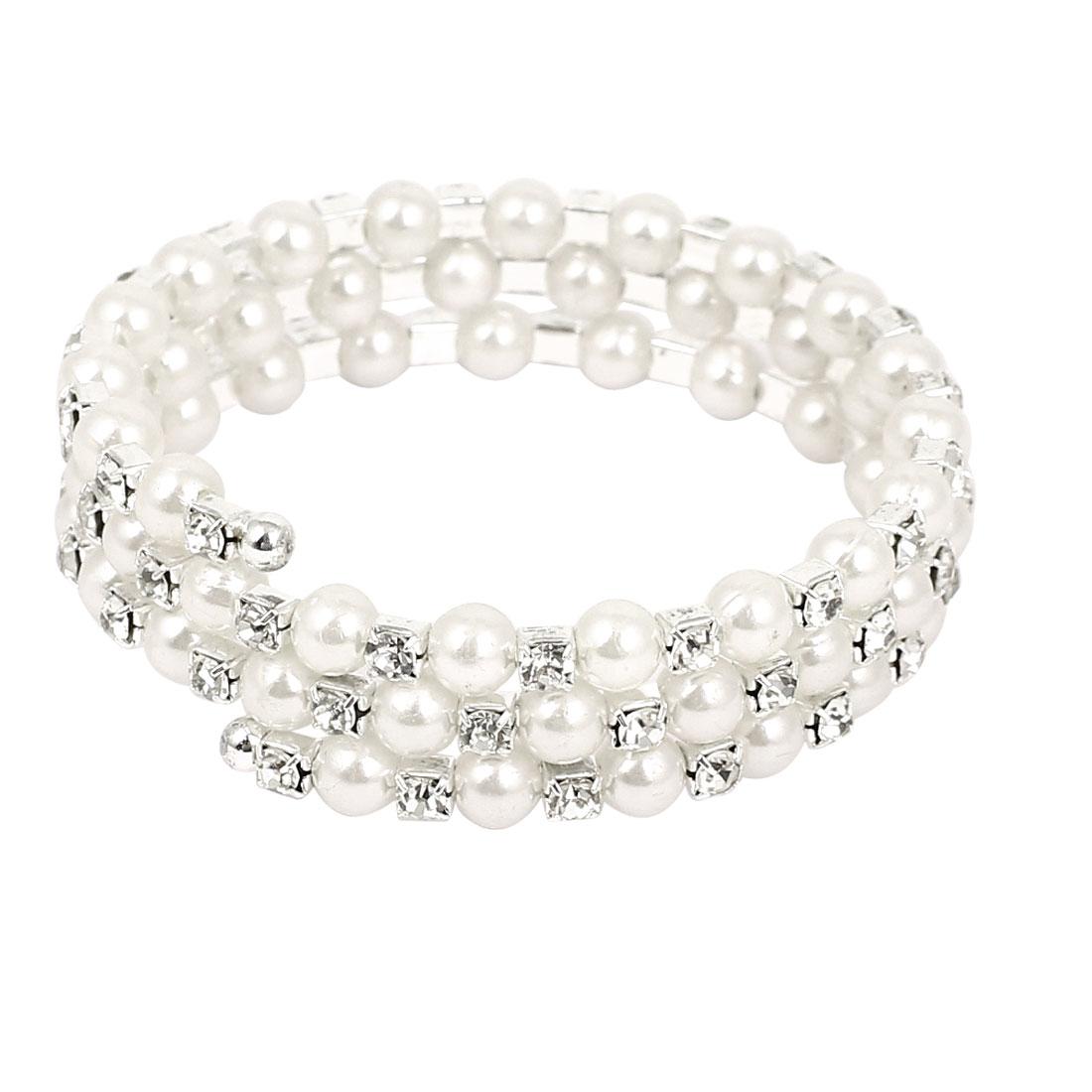 Lady Rhinestone Decor White Plastic Imitation Pearl Linked Sprial Wrist Charm Bracelet Bangle