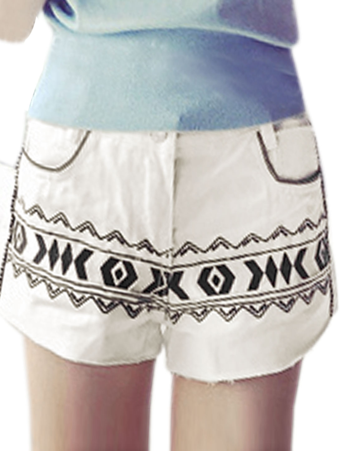 Woman Geometric Stitching Front Slanted Pockets Casual Shorts White XS