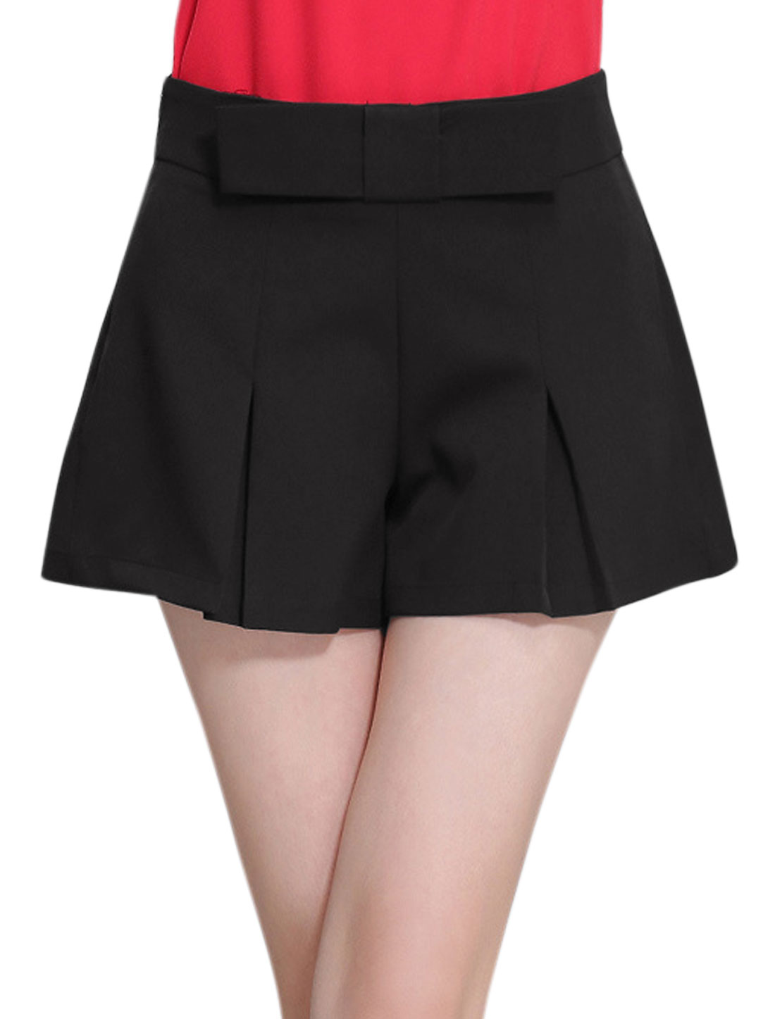 Lady Zip Closure Pleated Detail Bowknot Decor Casual Shorts Black L
