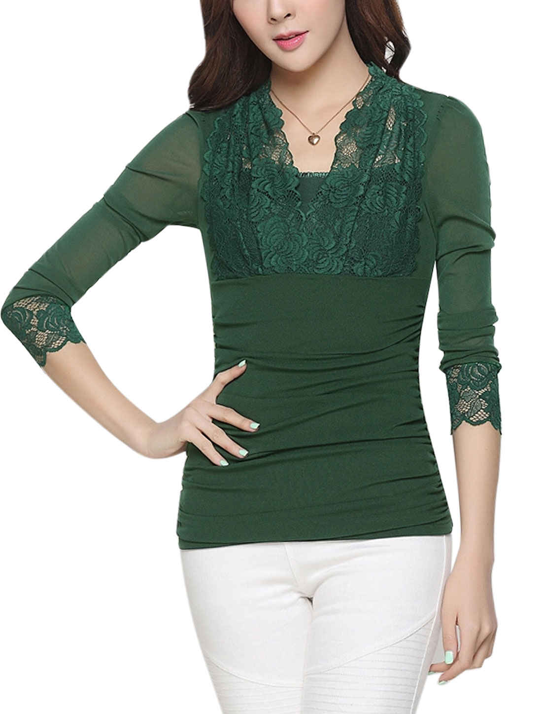Women Scalloped Neck Lace Panel Ruched Sides Mesh Top Green L