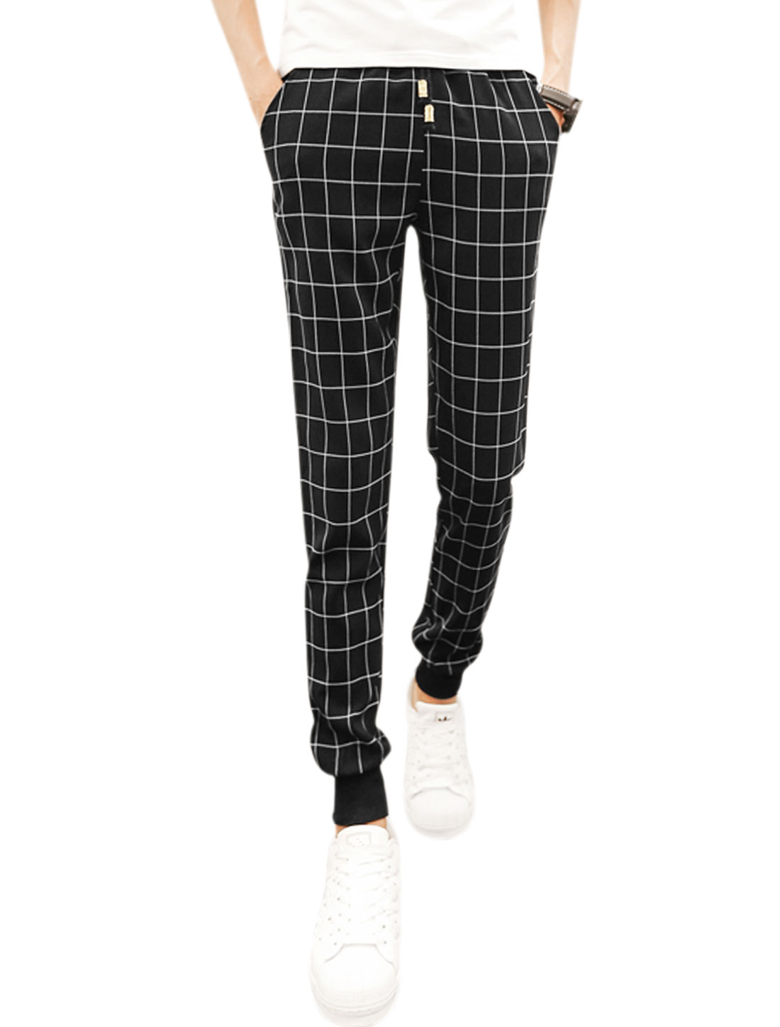 Men Drawstring Waist Pockets Front Plaids Tapered Pants Black W32