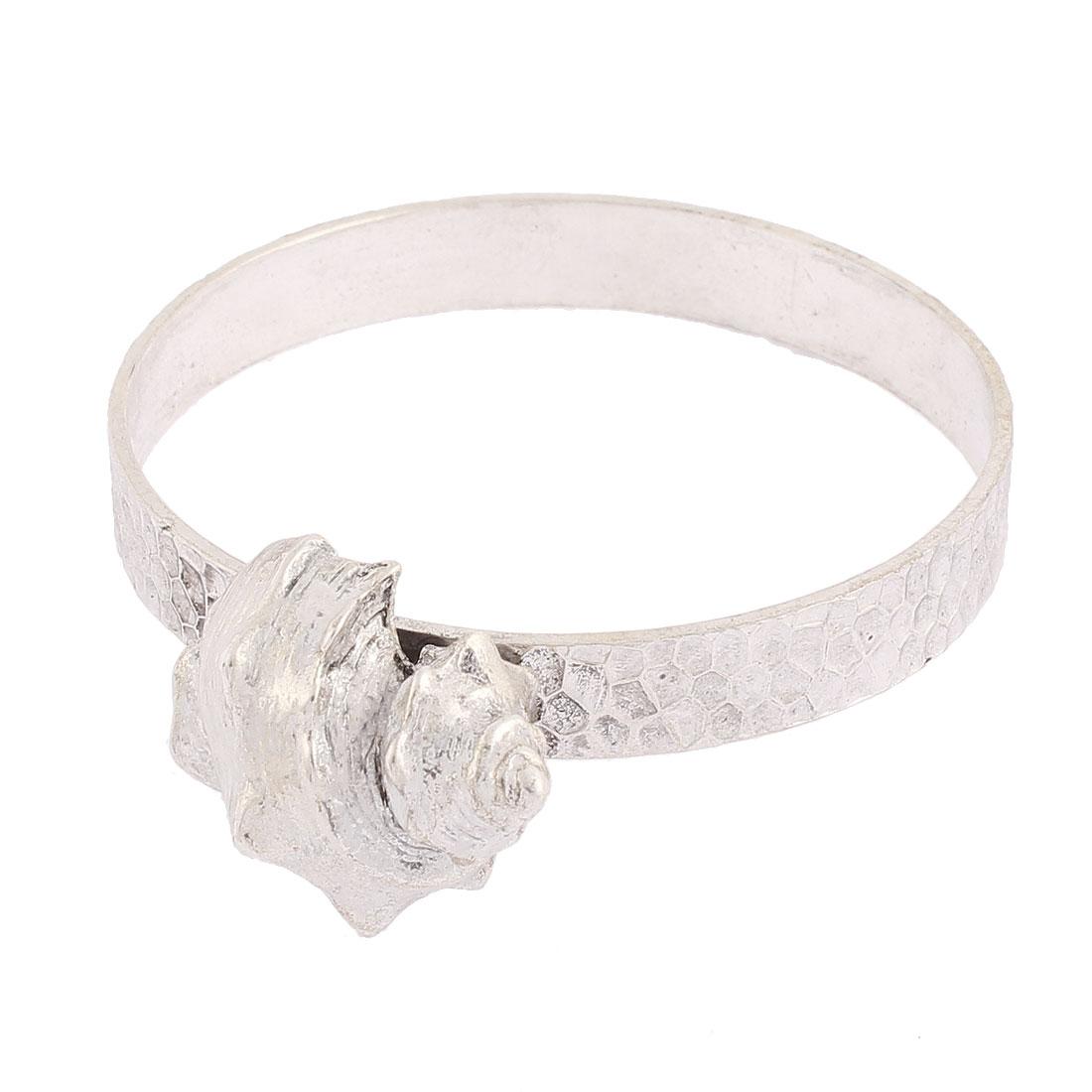 Conch Shell Detailing Circle Wrist Bracelet Silver Tone