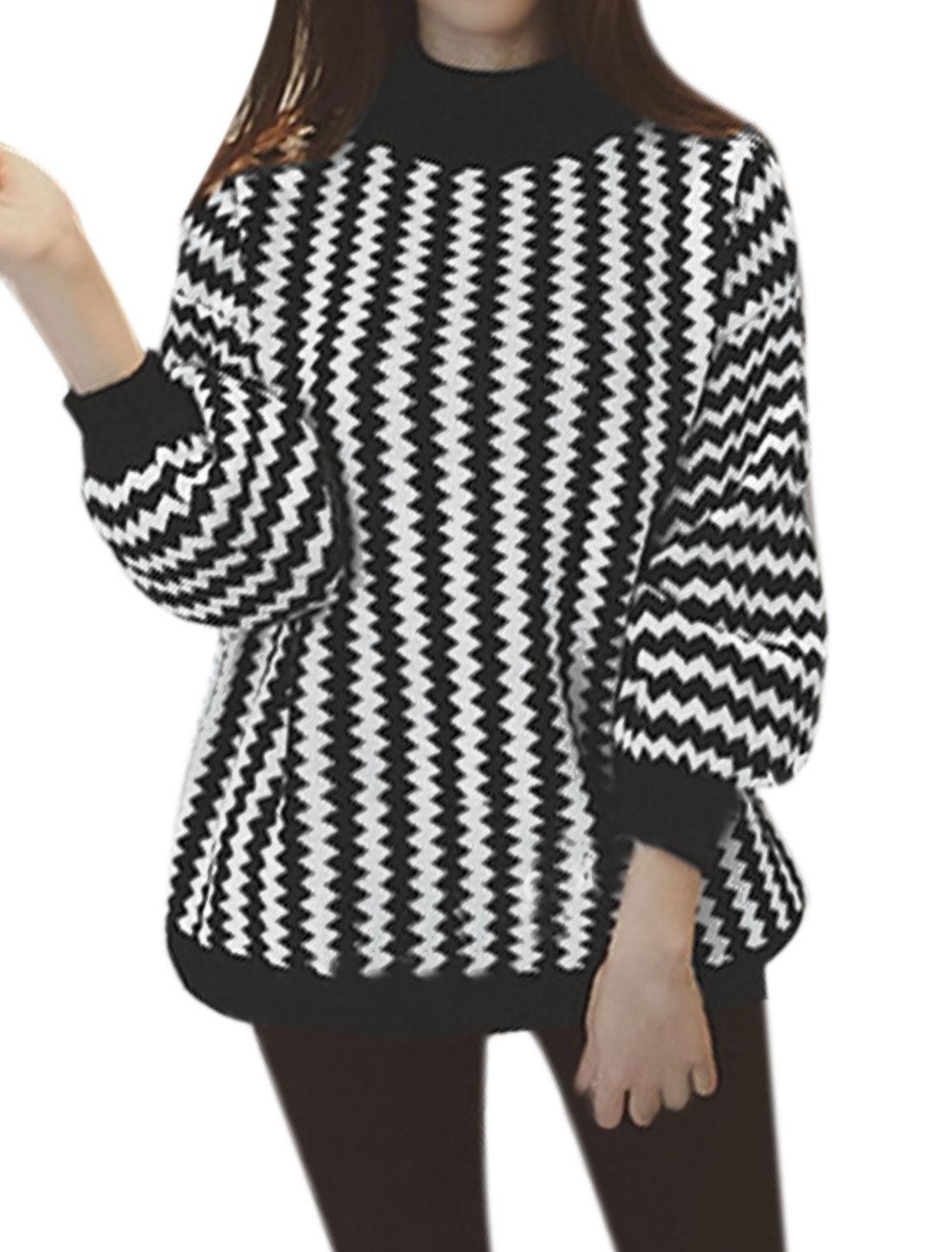 Woman Mock Neck Bishop Sleeves Zig-Zag Loose Sweater White XS