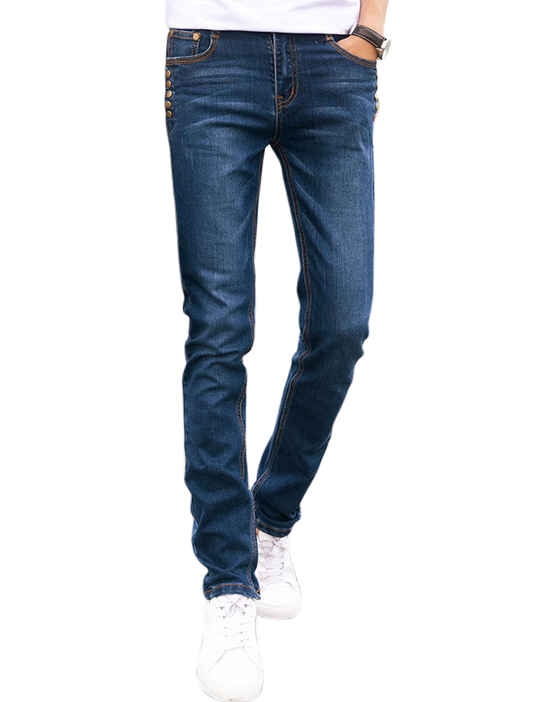 Men Slant Pockets Studs Decor Seamed Straight Leg Jeans Blue W34
