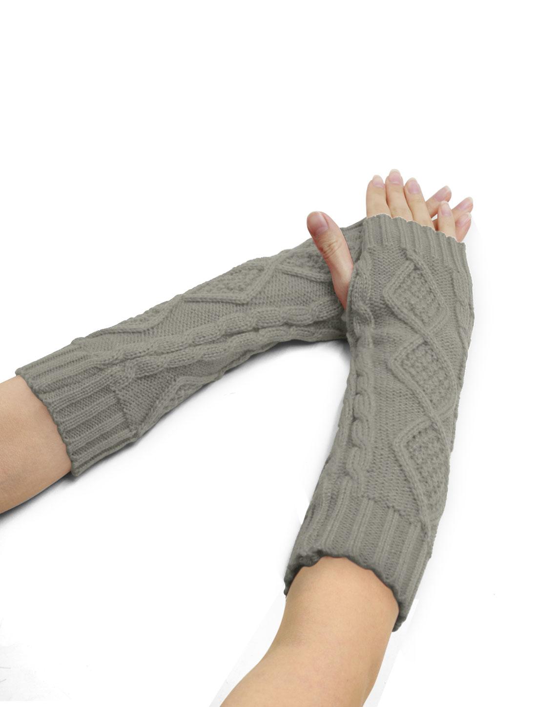Women Elbow Length Argyle Design Cable Knit Arm Warmers Pair Light Gray